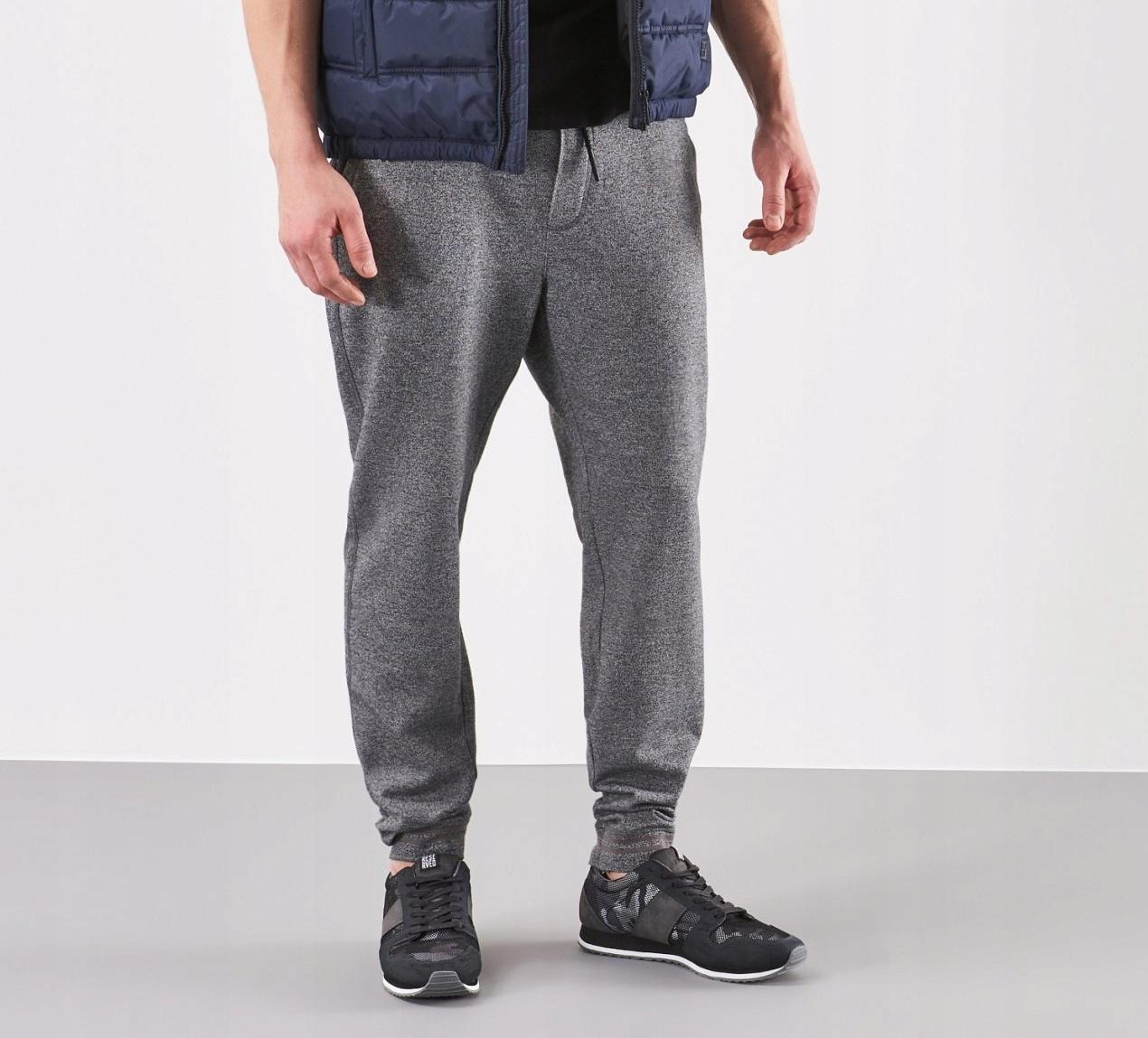 Spodnie dresowe firmy Reserved yfl r.M