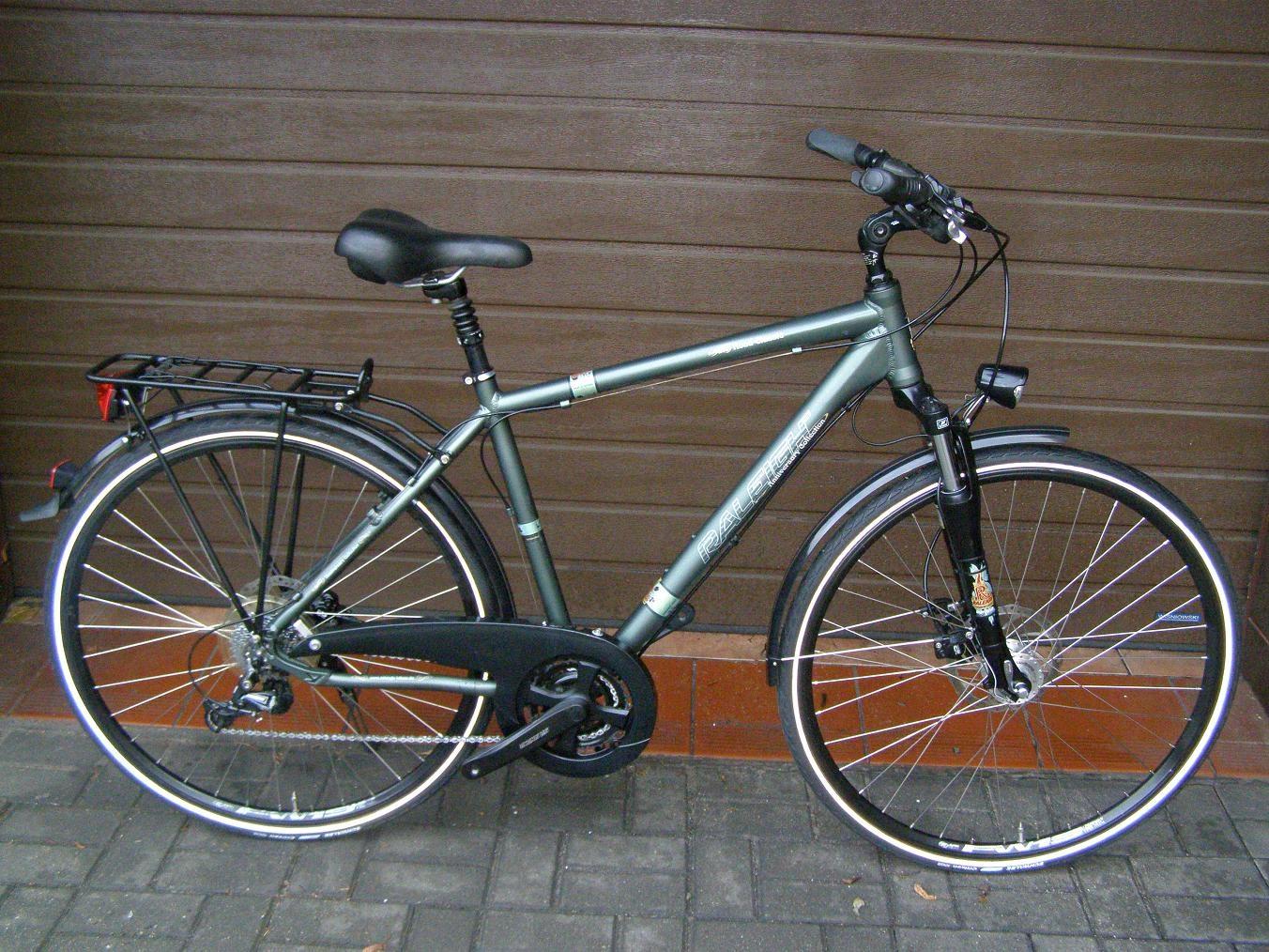Markowy brytyjski rower Raleigh Road Classic Alu