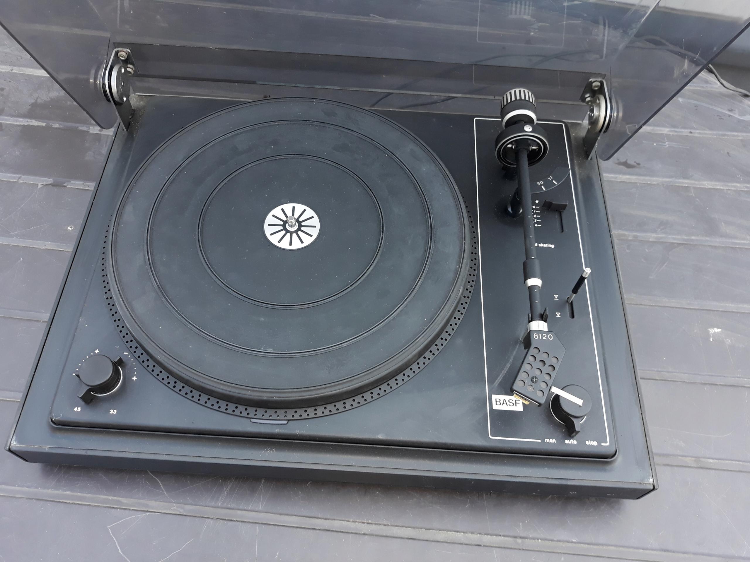 Gramofon BASF 8120 (LENCO)
