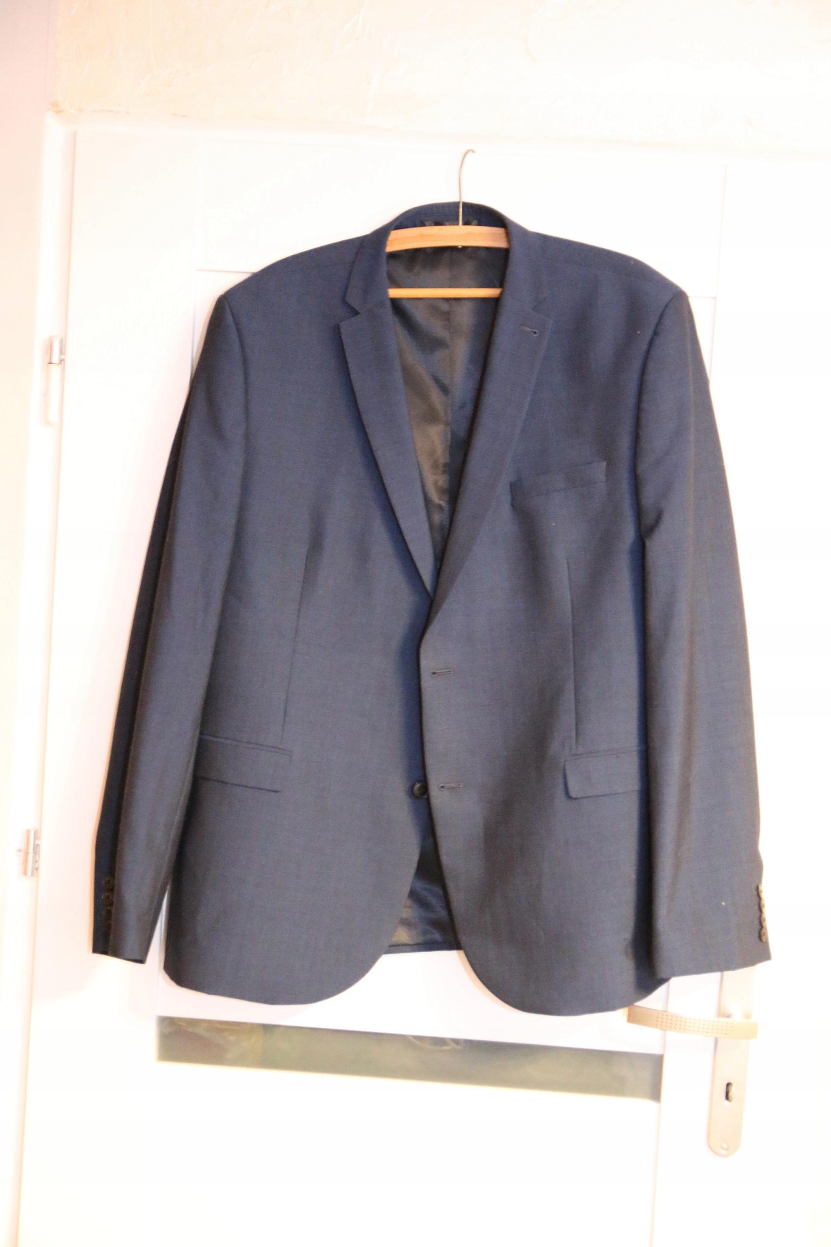 Garnitur męski śliczny niebieski używany
