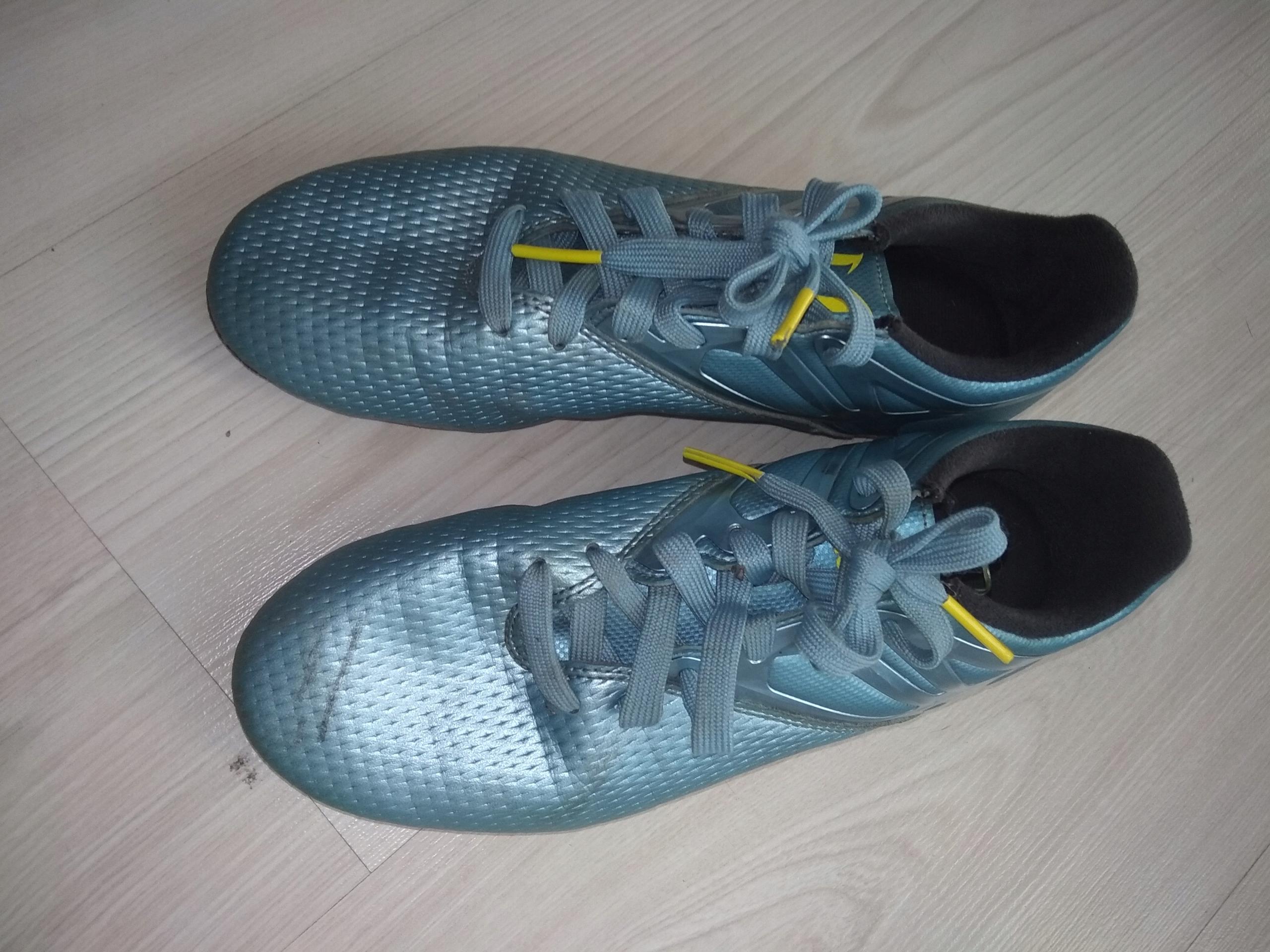 buty piłkarskie , korki