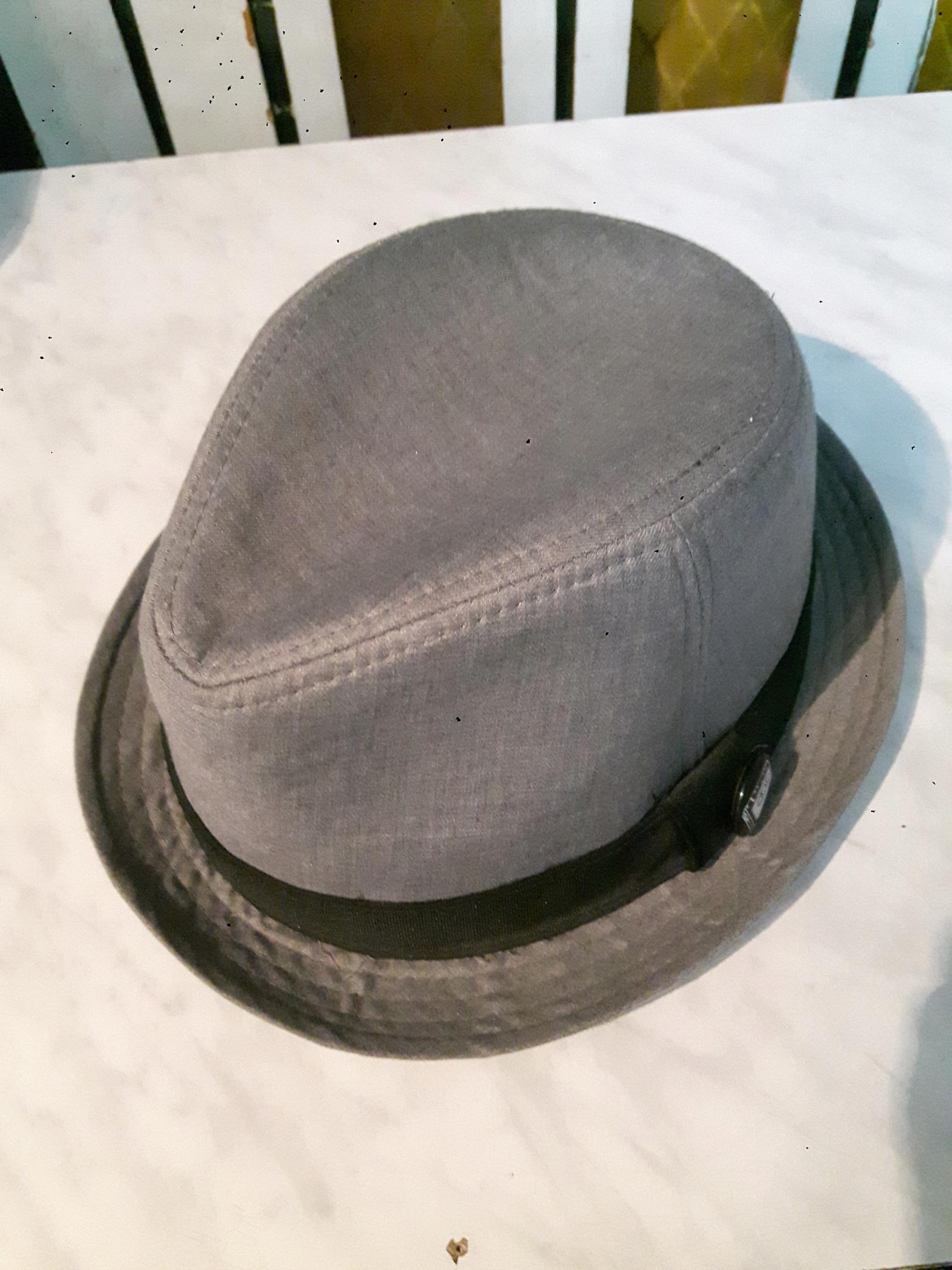 RESERVED kapelusz roz. L/XL