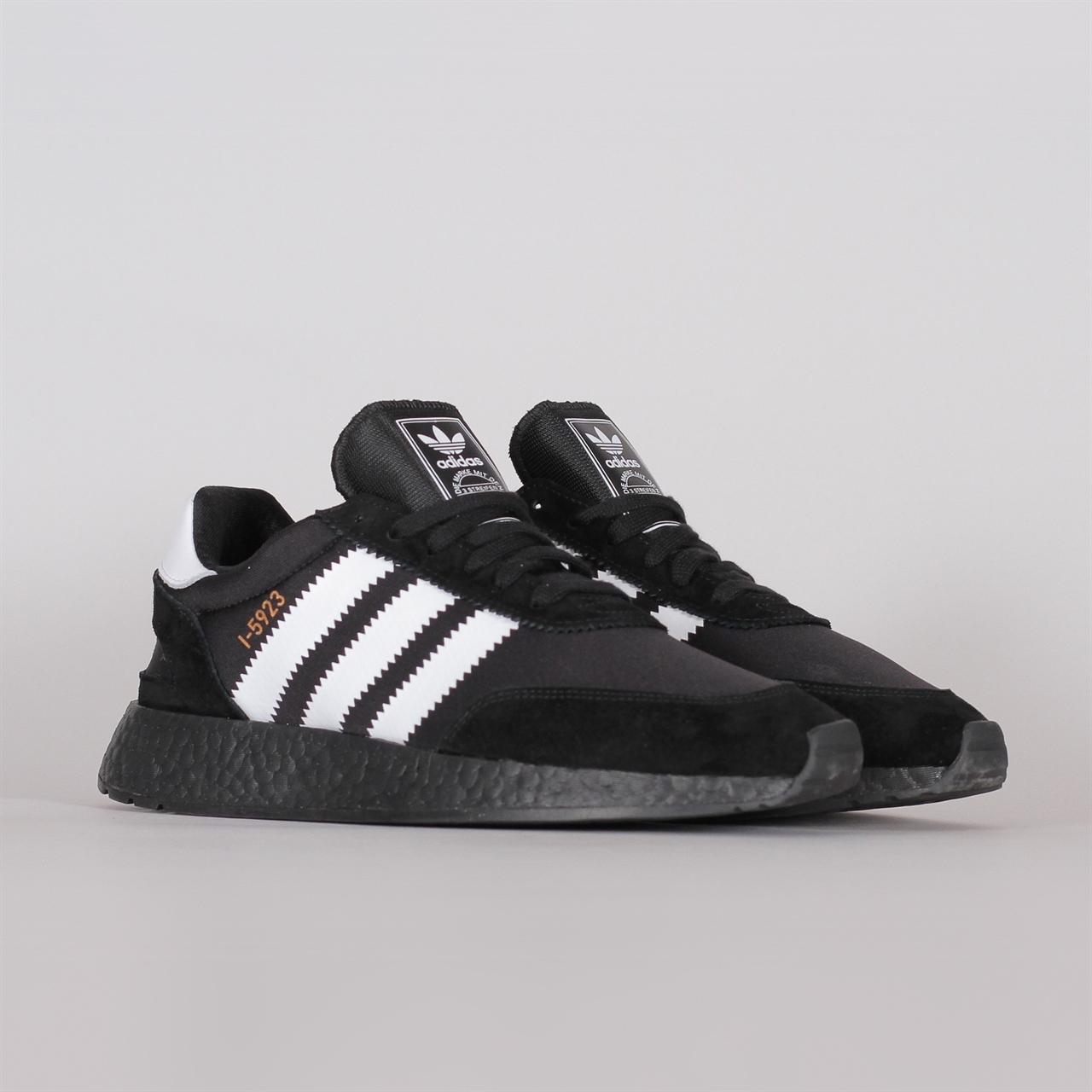 Adidas Iniki Runner r. 46 męskie buty czarne I 5923 boost