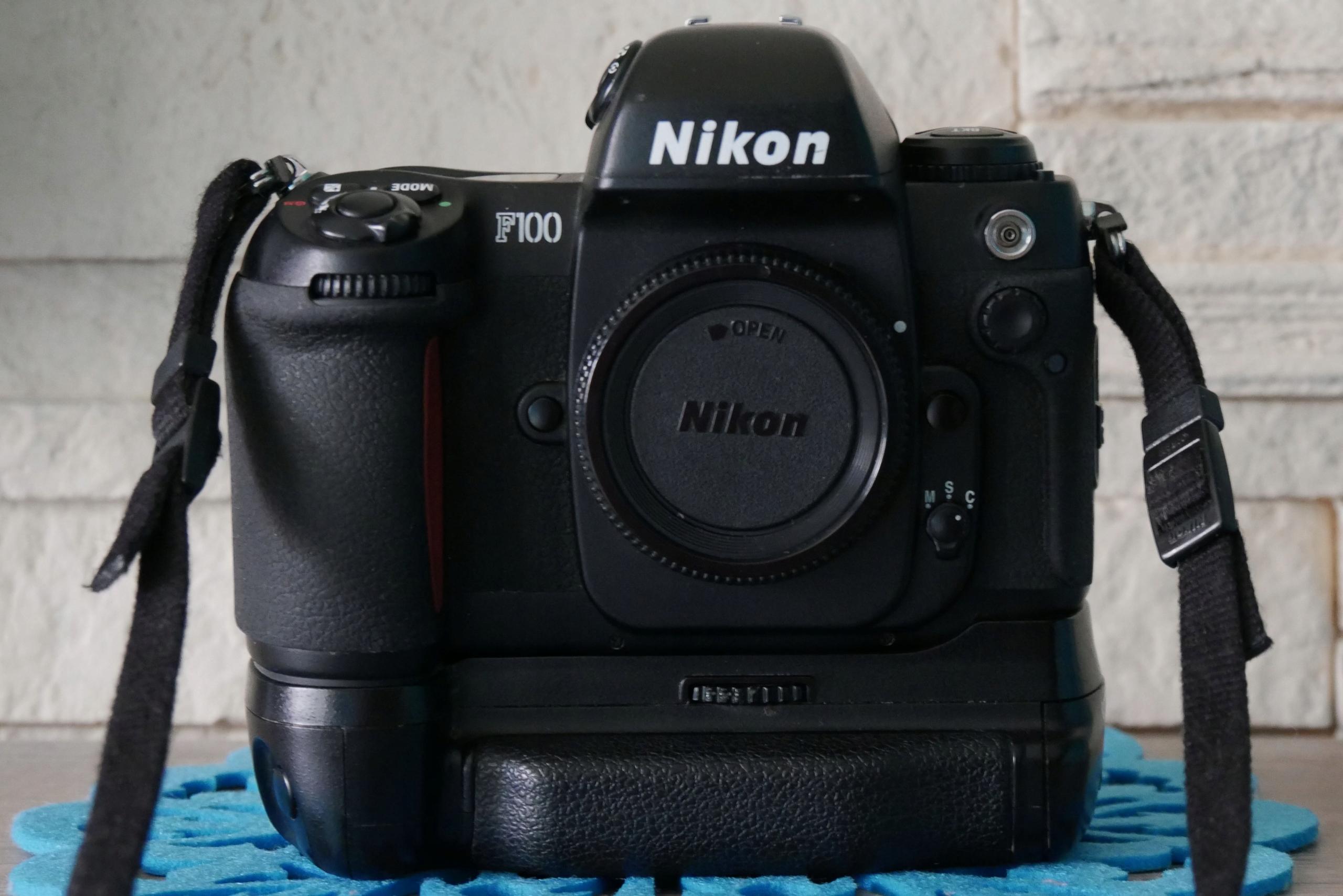 Nikon F100 + Grip 100% sprawny kolekcjonerski