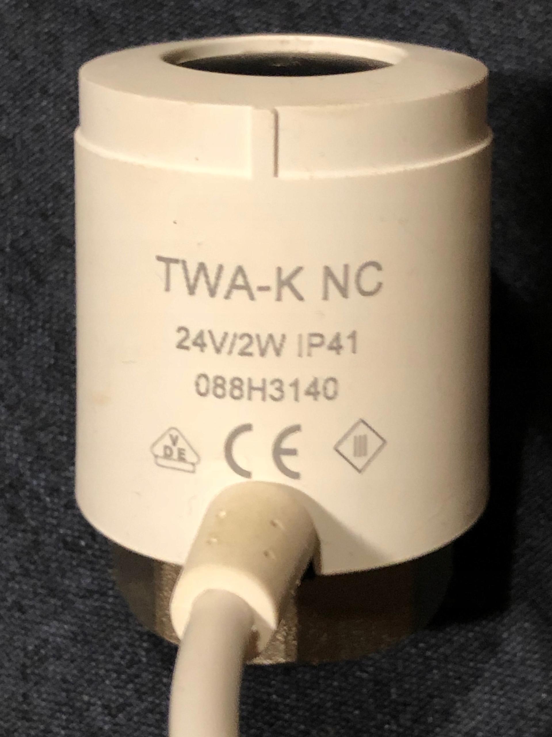Napęd termiczny TWA-K NC 24V DANFOSS