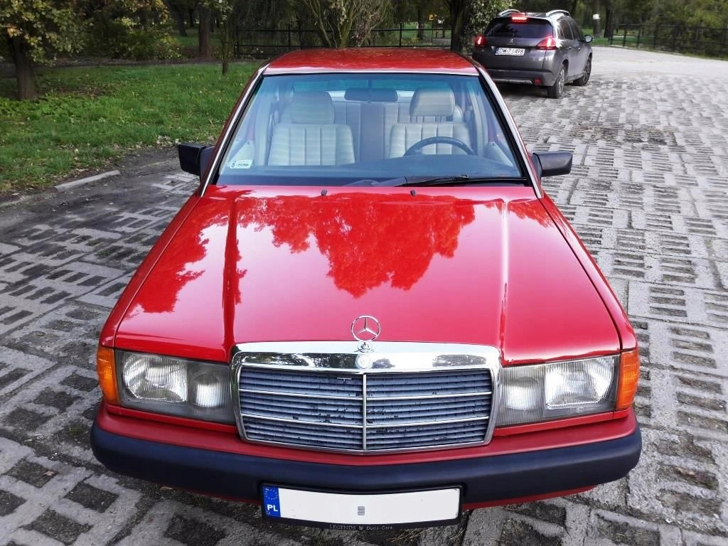 Mercedes 190 (W201) 2.0D, automat, jasna tapicerka