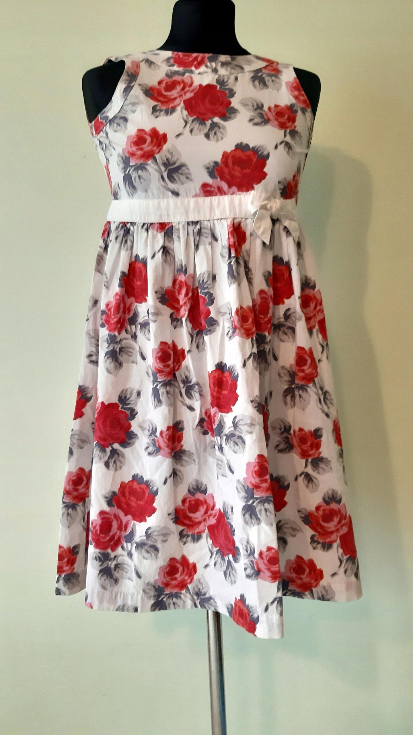 Piękna sukienka rozm 134 - 140