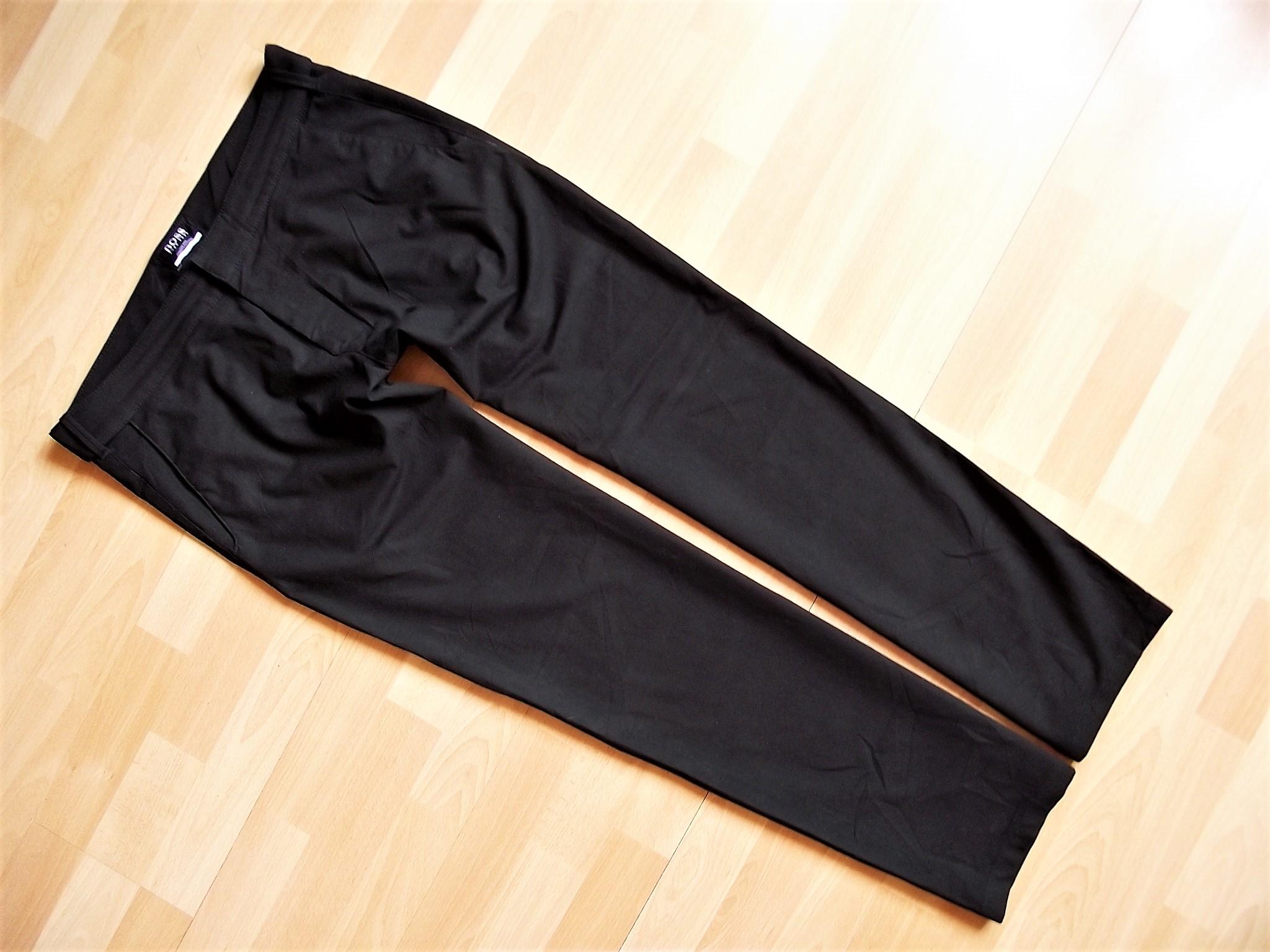 HUGO BOSS MCLAREN czarne spodnie 48