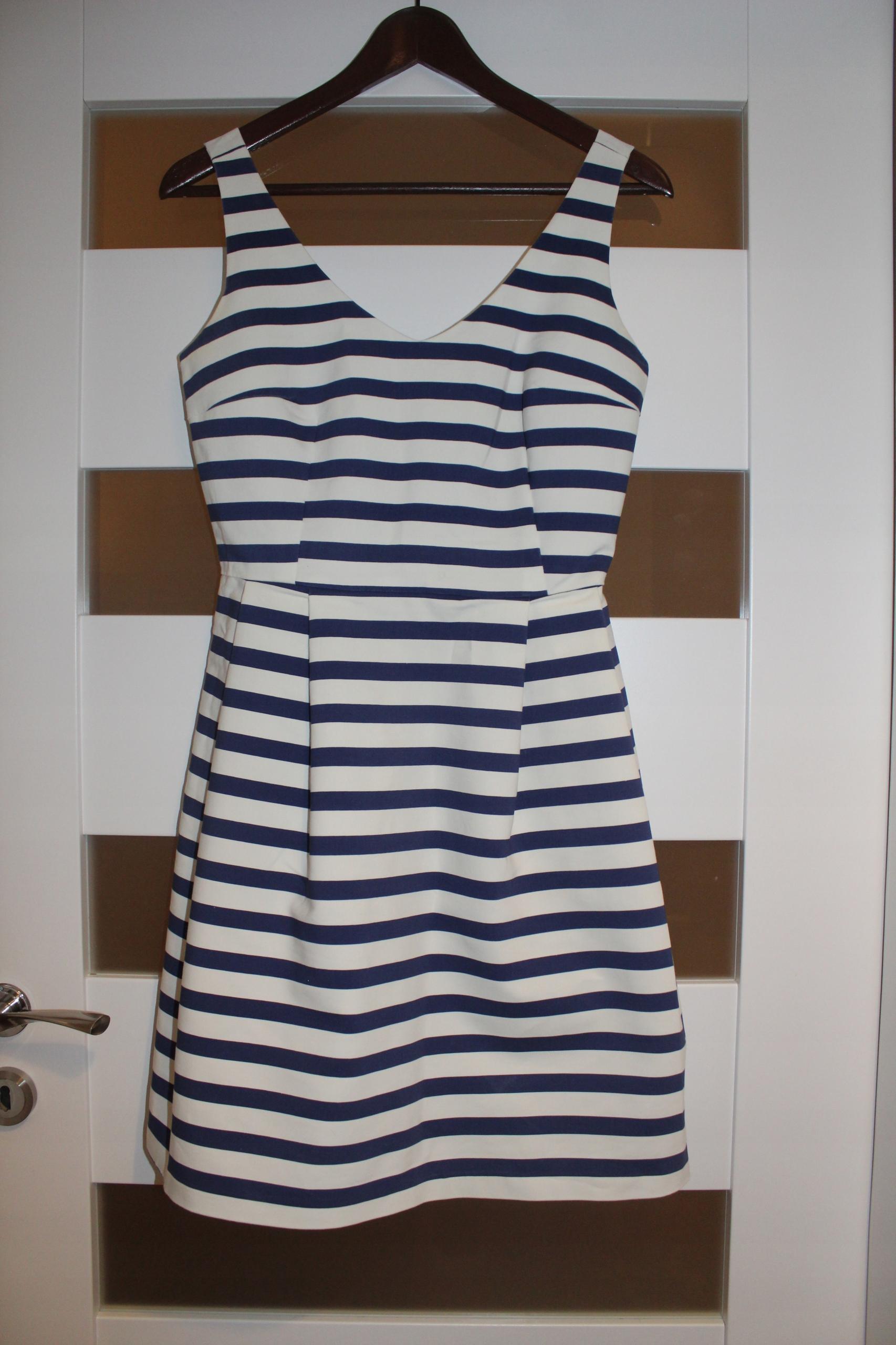 Sukienka rozkloszowana Reserved, rozmiar s 36