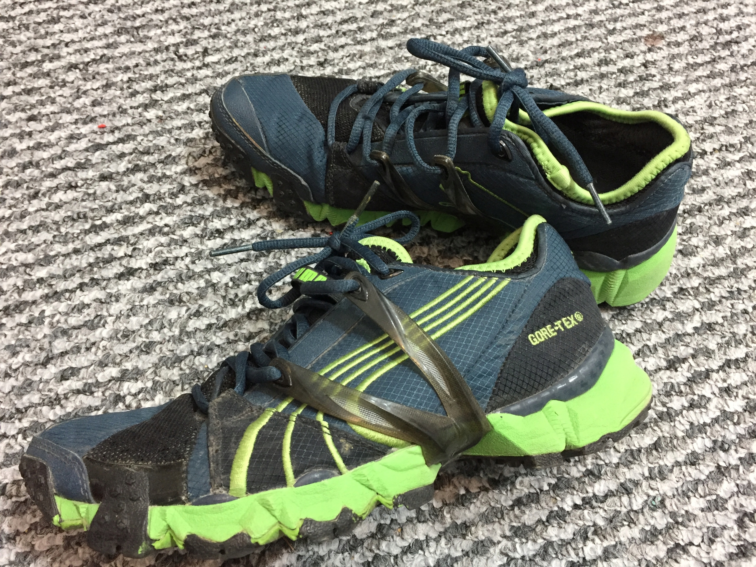 PUMA Complete GORE-TEX Trail Buty Biegowe -39 1/2