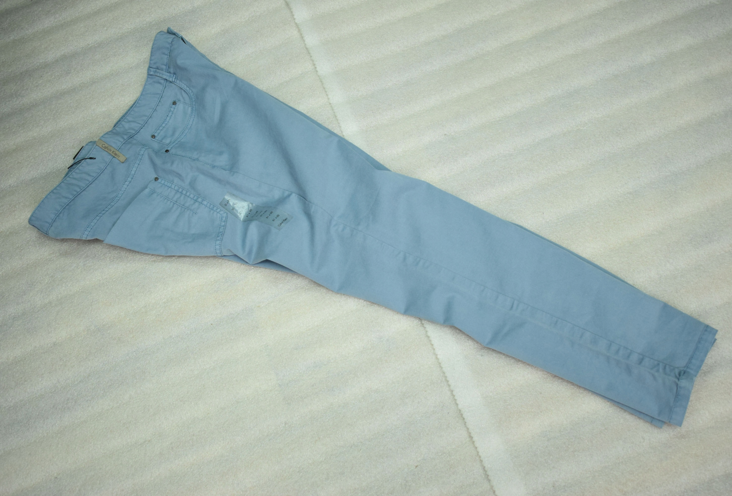 CALVIN KLEIN CHINO SLIM PANT 31X30 NEW.