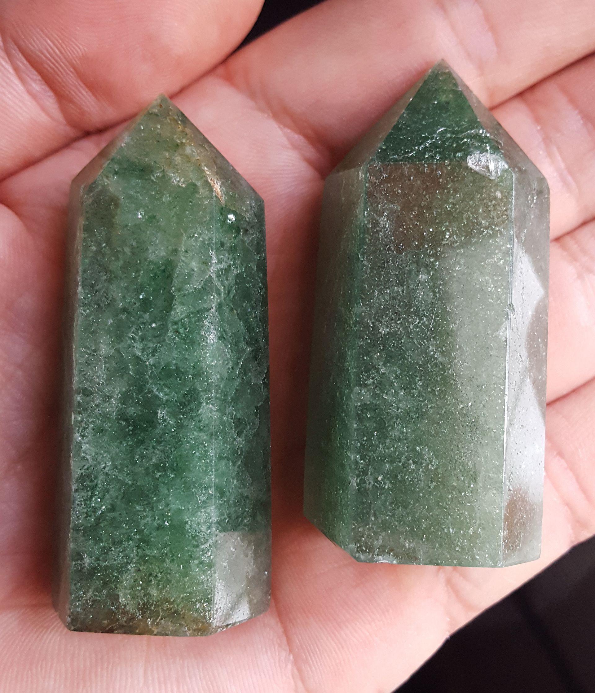 Stojący kryształ kwarc zielony obelisk 59mm KWG22