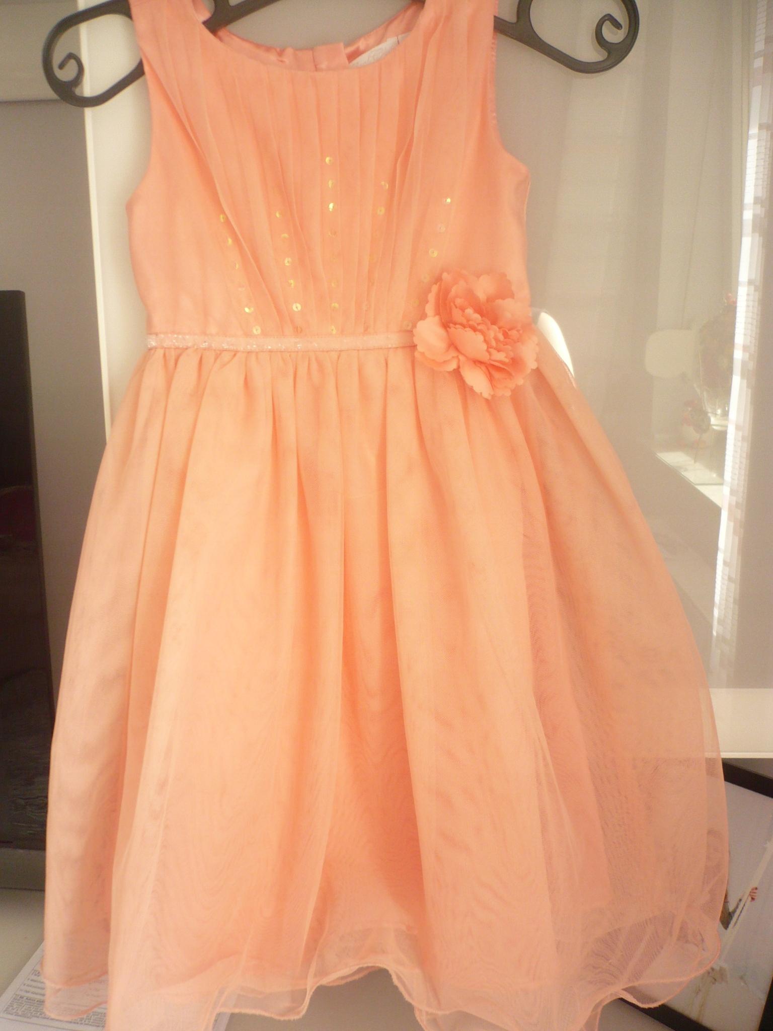 Śliczna sukienka (ślub, chrzciny itp.)