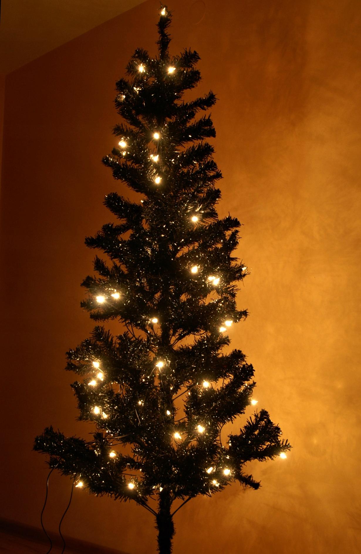 Czarna choinka sztuczna 180cm +oświetlenie 80 żar