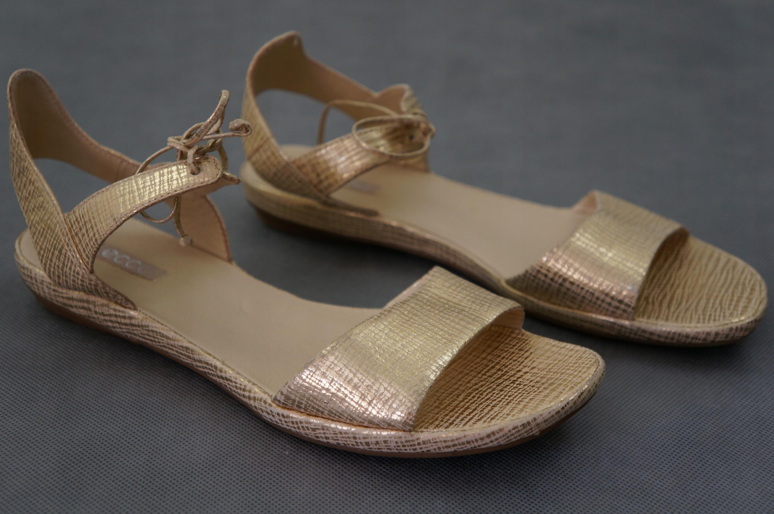 ECCO oryginalne złote sandały skóra nat. r. 41 NOW
