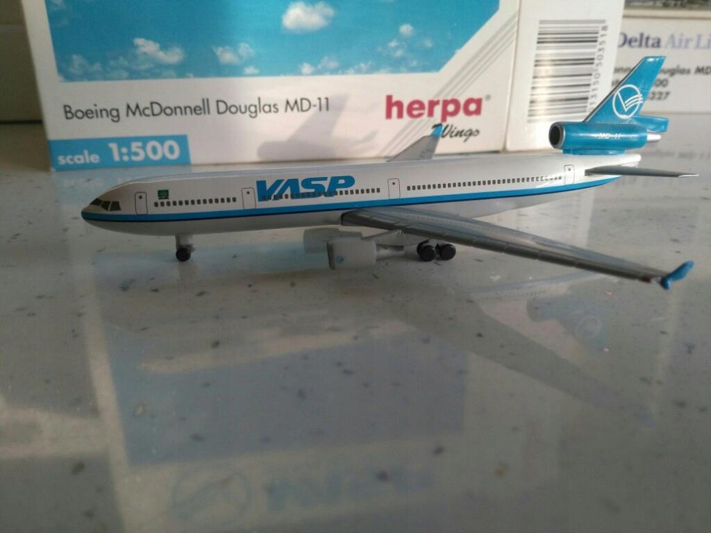Model samolotu MD11 VASP Brazylian Air1-500 Herpa