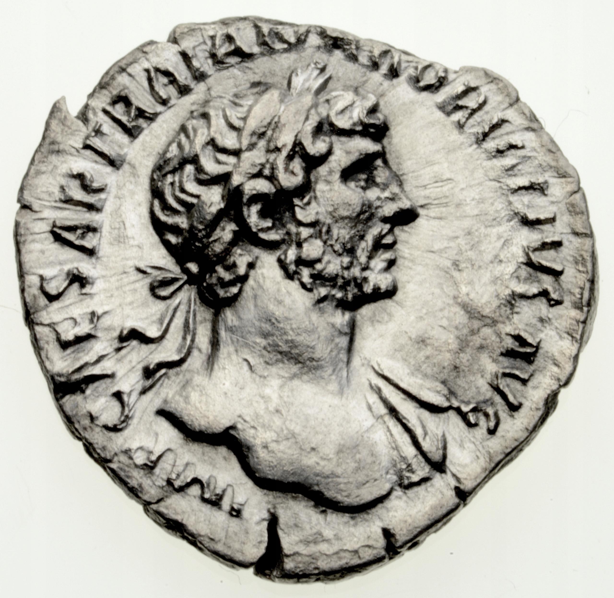 Denar 118 r. Hadrian, ładny portret. Cesarstwo