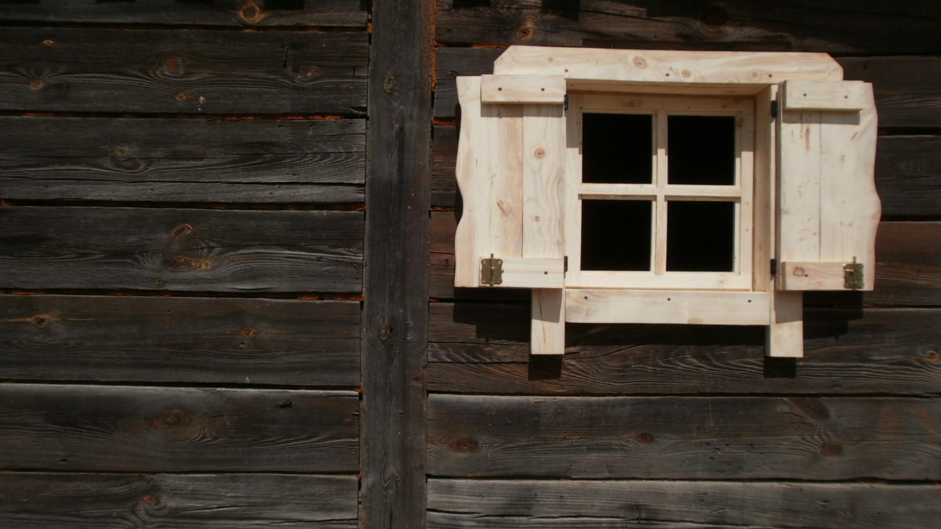 Okno Drewniane Skrzynkowe Z Okiennica Altana Domek