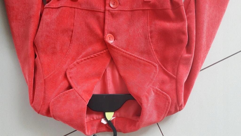 śliczny płaszczyk czerwony 134