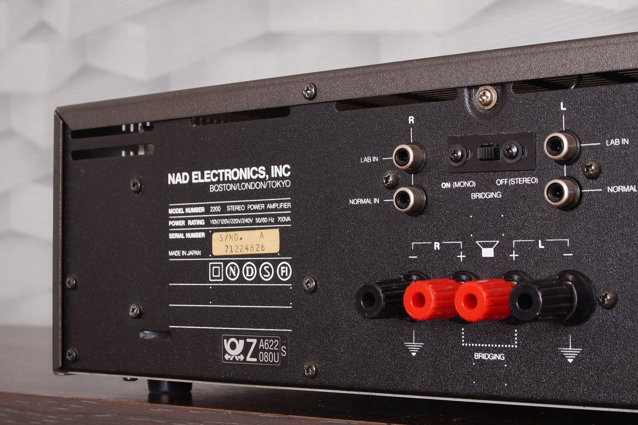 Potężna Końcówka mocy NAD 2200 komis Myślenice - 7853621388