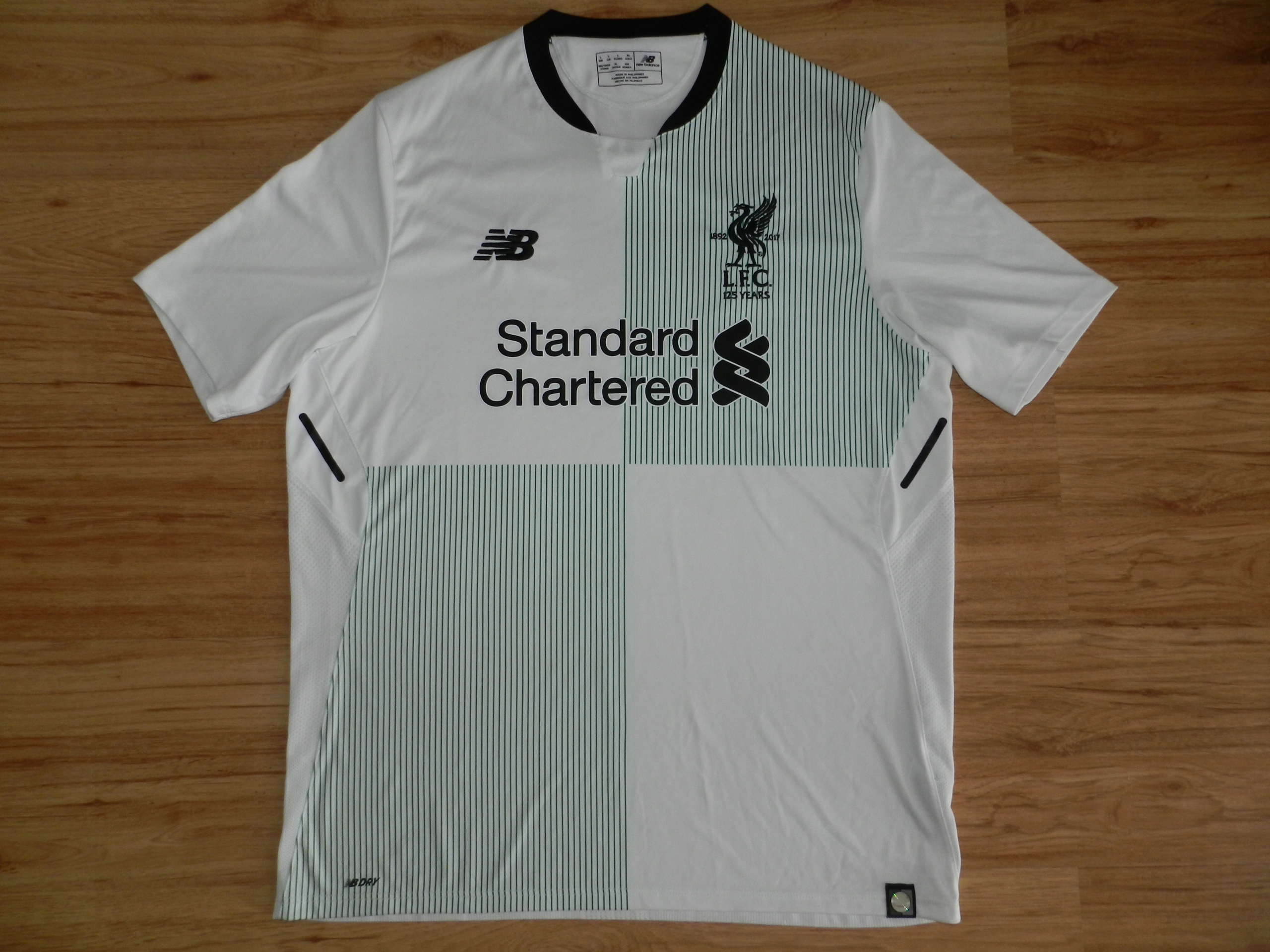 LIVERPOOL FC New Balance 17/18 Away L *125 YEARS*