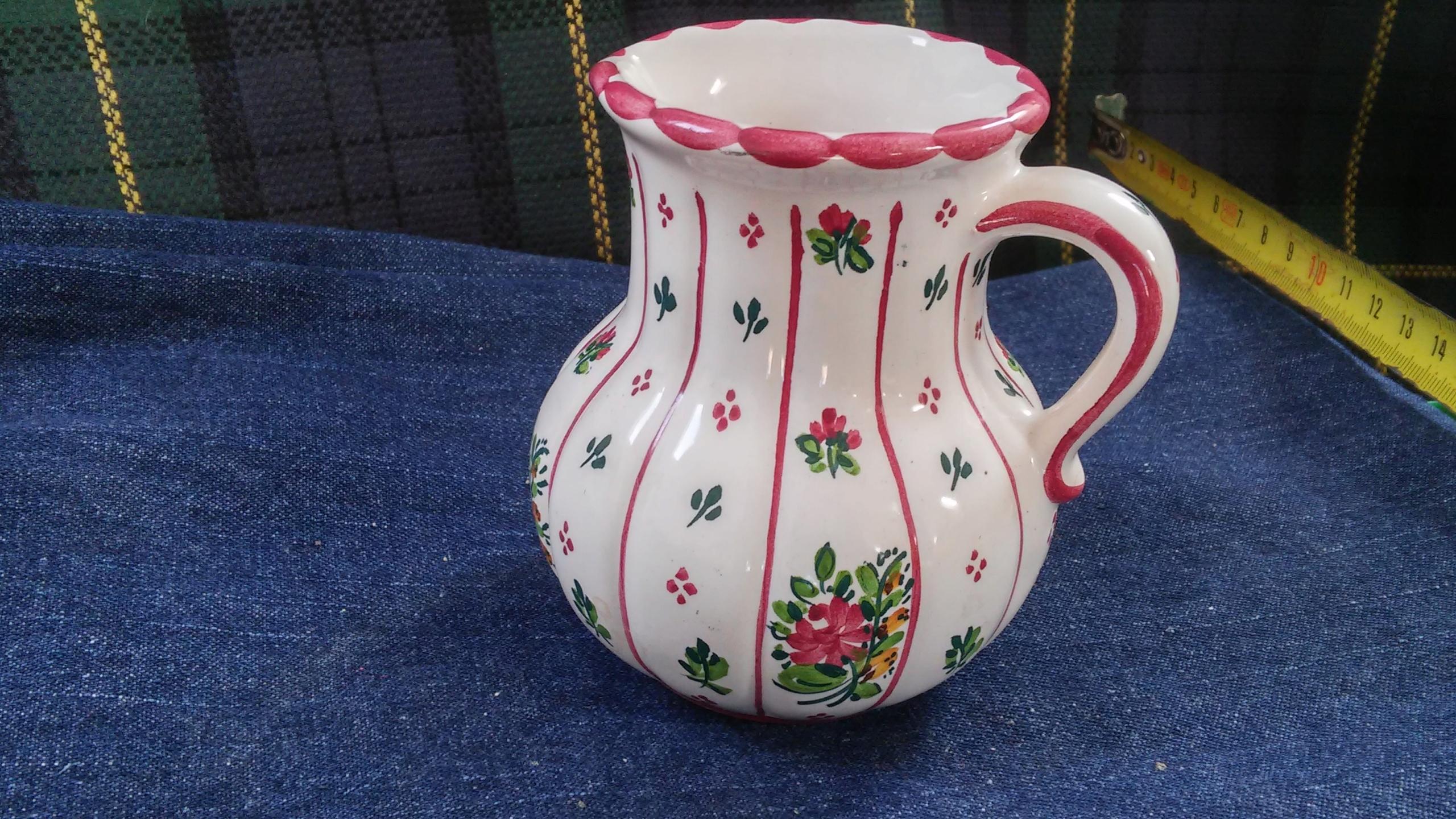 Wazon ceramiczny malowany w kwiaty