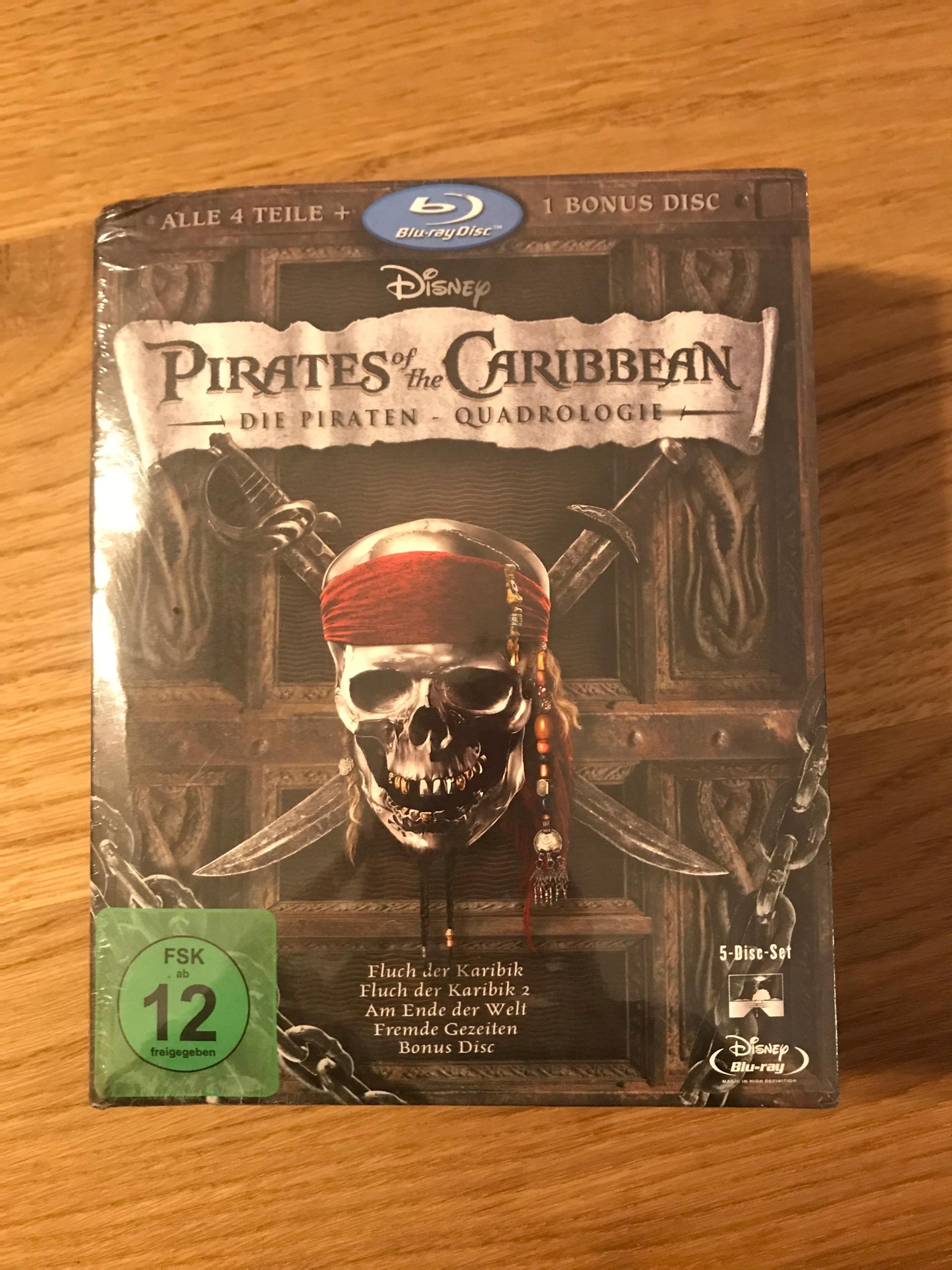 Piraci z Karaibow 4 Czesci Blu-Ray Angielska Wer.