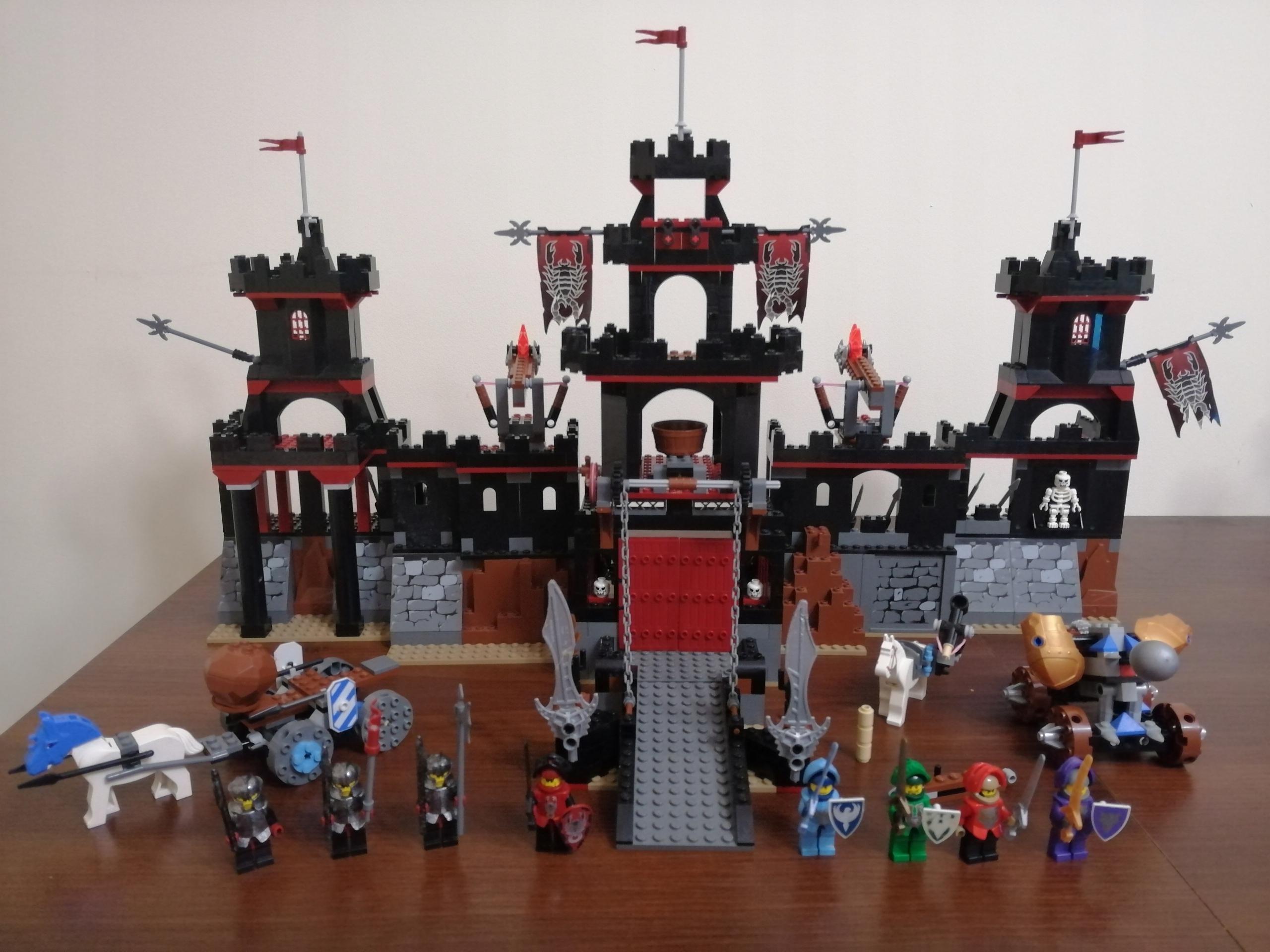 LEGO Knights Kingdom 8877 Vladek's Dark Fortress