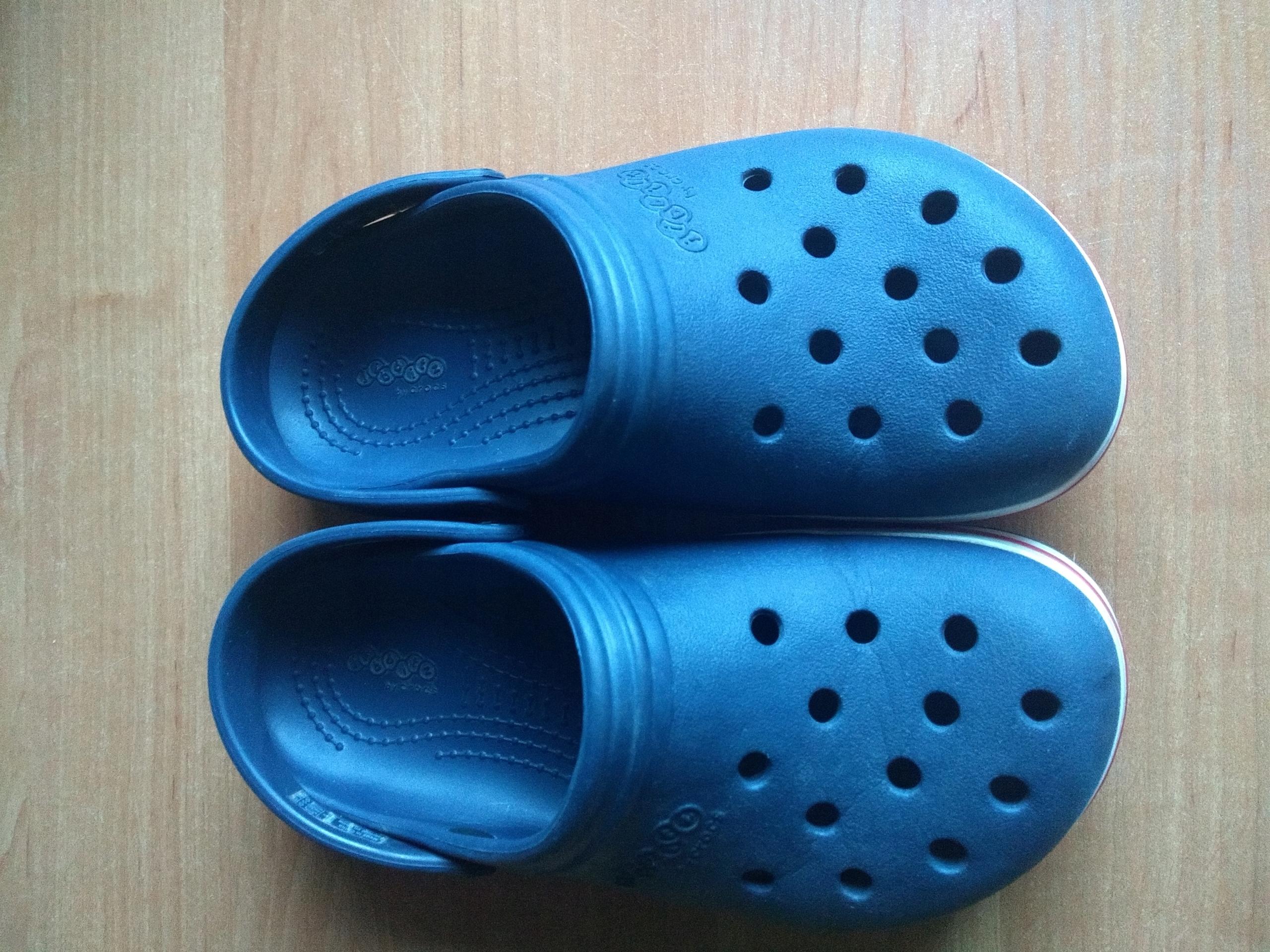 Crocsy granatowe rozmiar 33/34