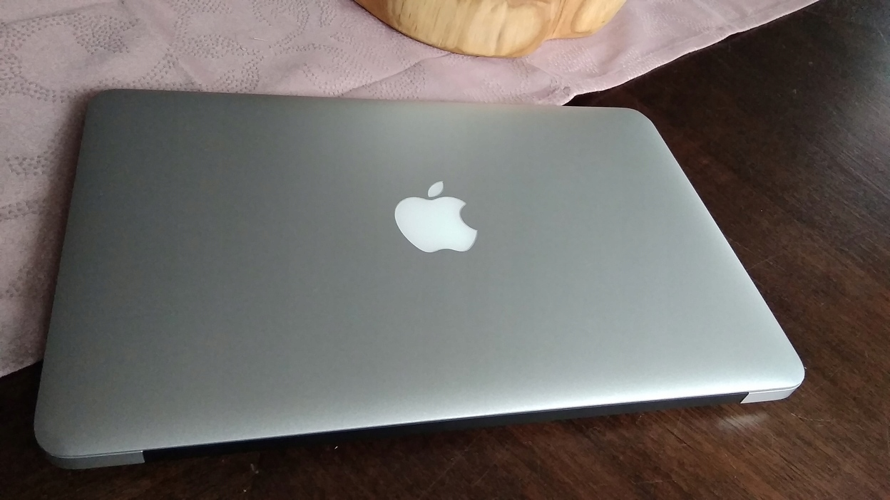 "MacBook Air 11"" A1370 i5 2x1,6GHz 2GB SSD64GB"