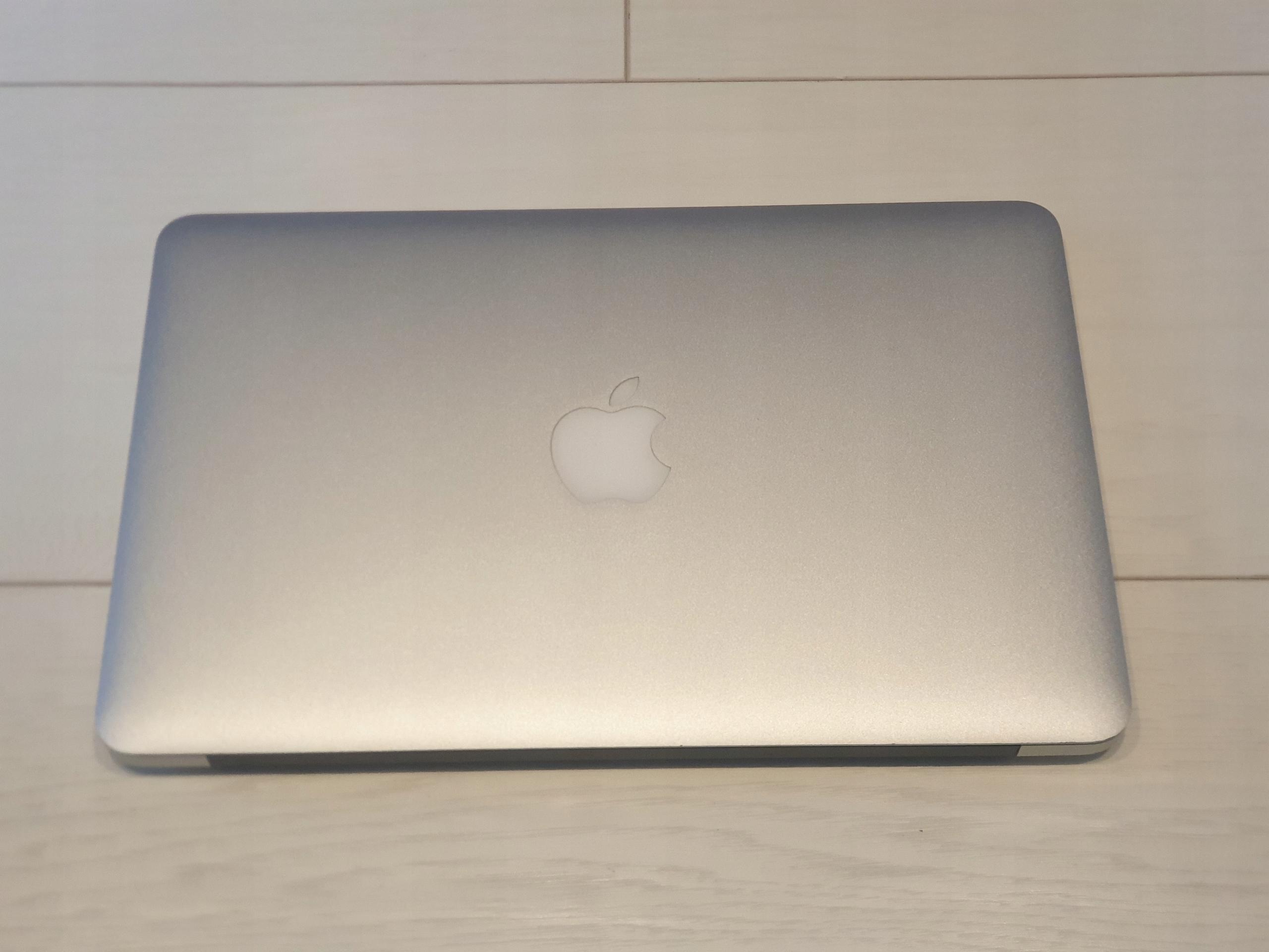 Apple MacBook AIR 11 A1465 i5 4gb 128gb SSD