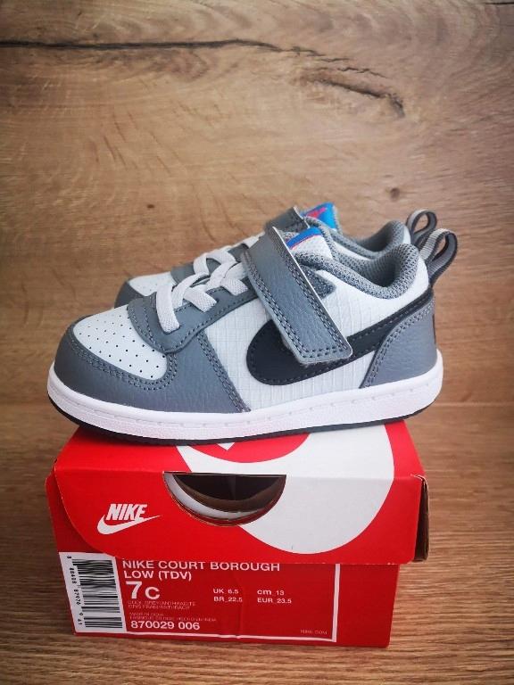 Nowe oryginale buciki Nike rozm 23,5, 13 cm