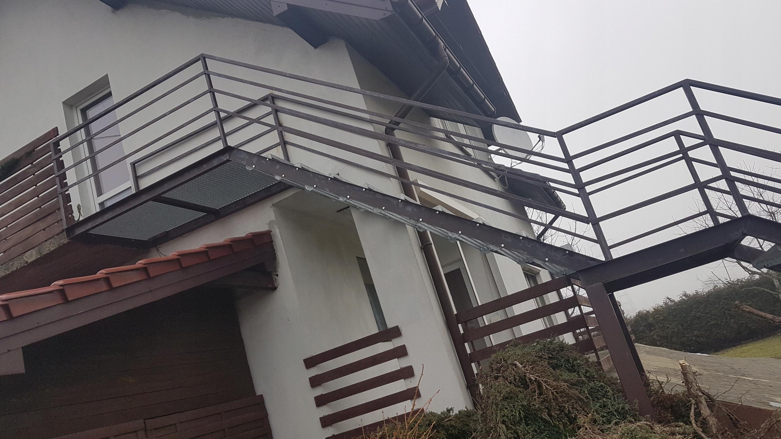 Sprzedam schody metalowe