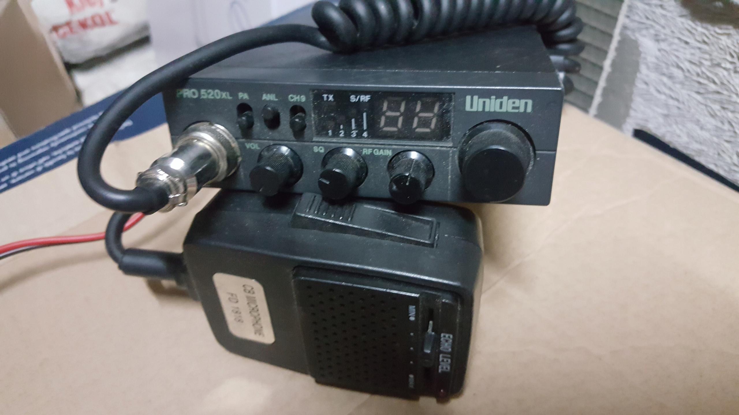 Uniden 520Xl + mikrofon z echem i antena president