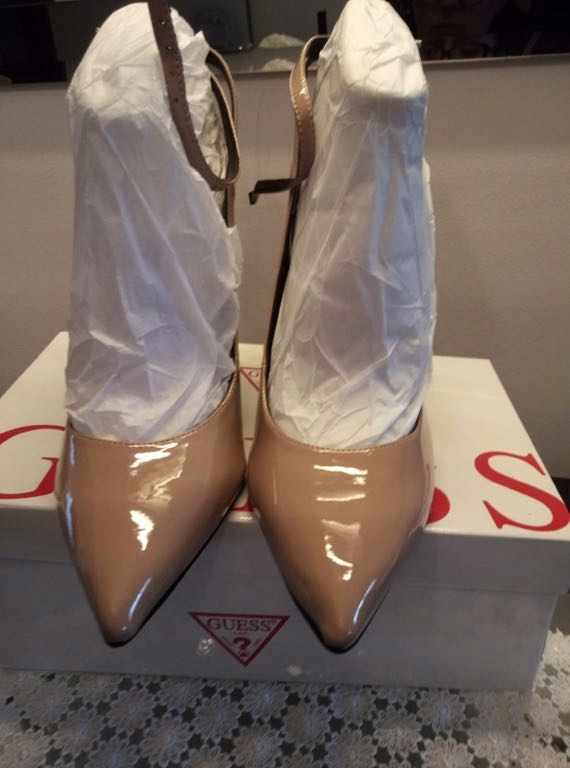 Guess buty r. 39