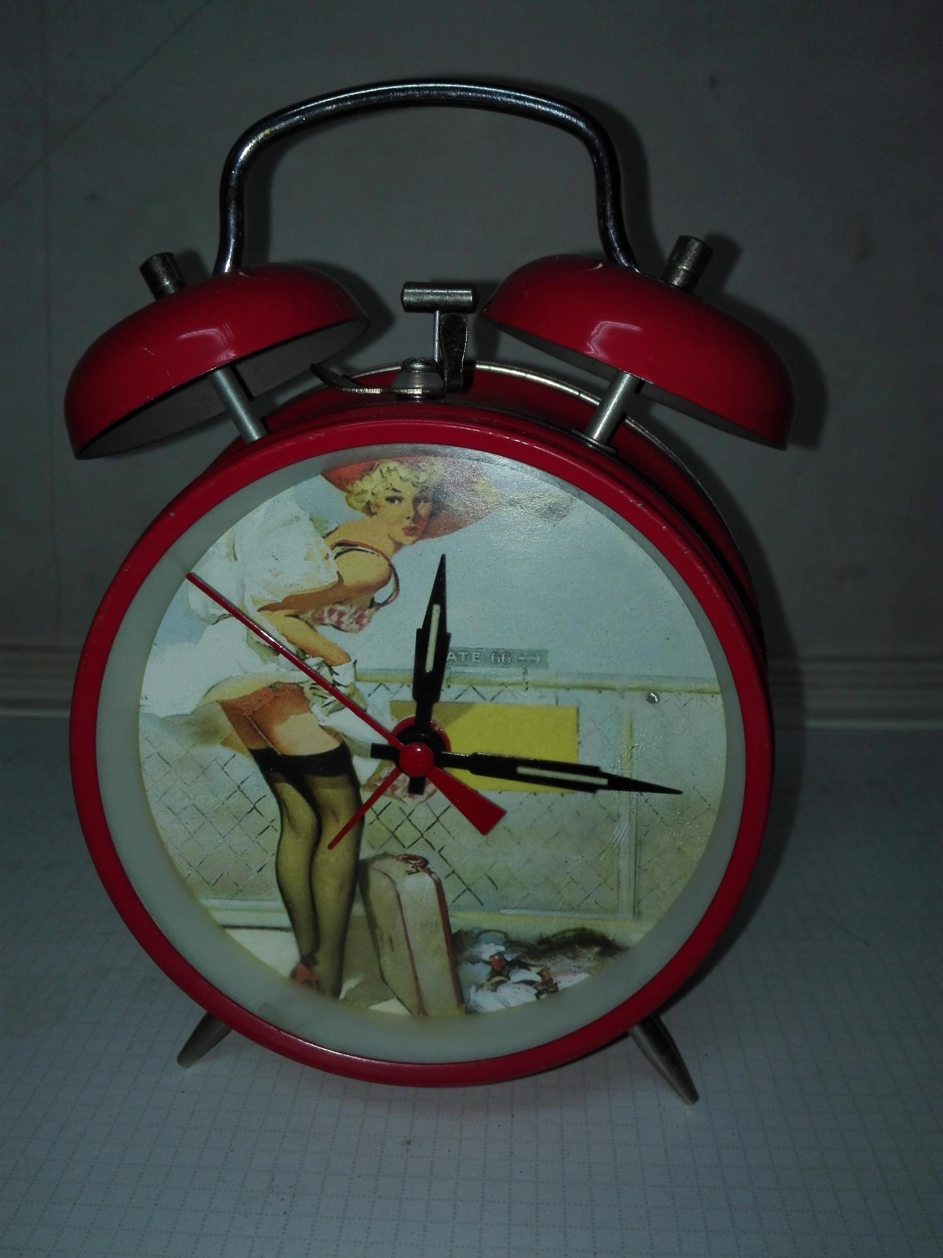 Zegar budzik stylizowany na lata 50 USA