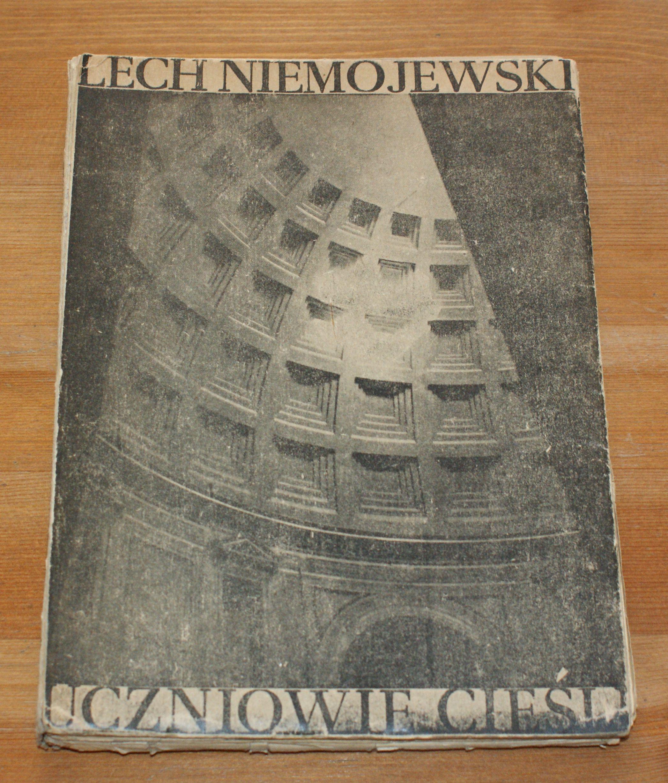 NIEMOJEWSKI - UCZNIOWIE CIEŚLI (1948 r.)