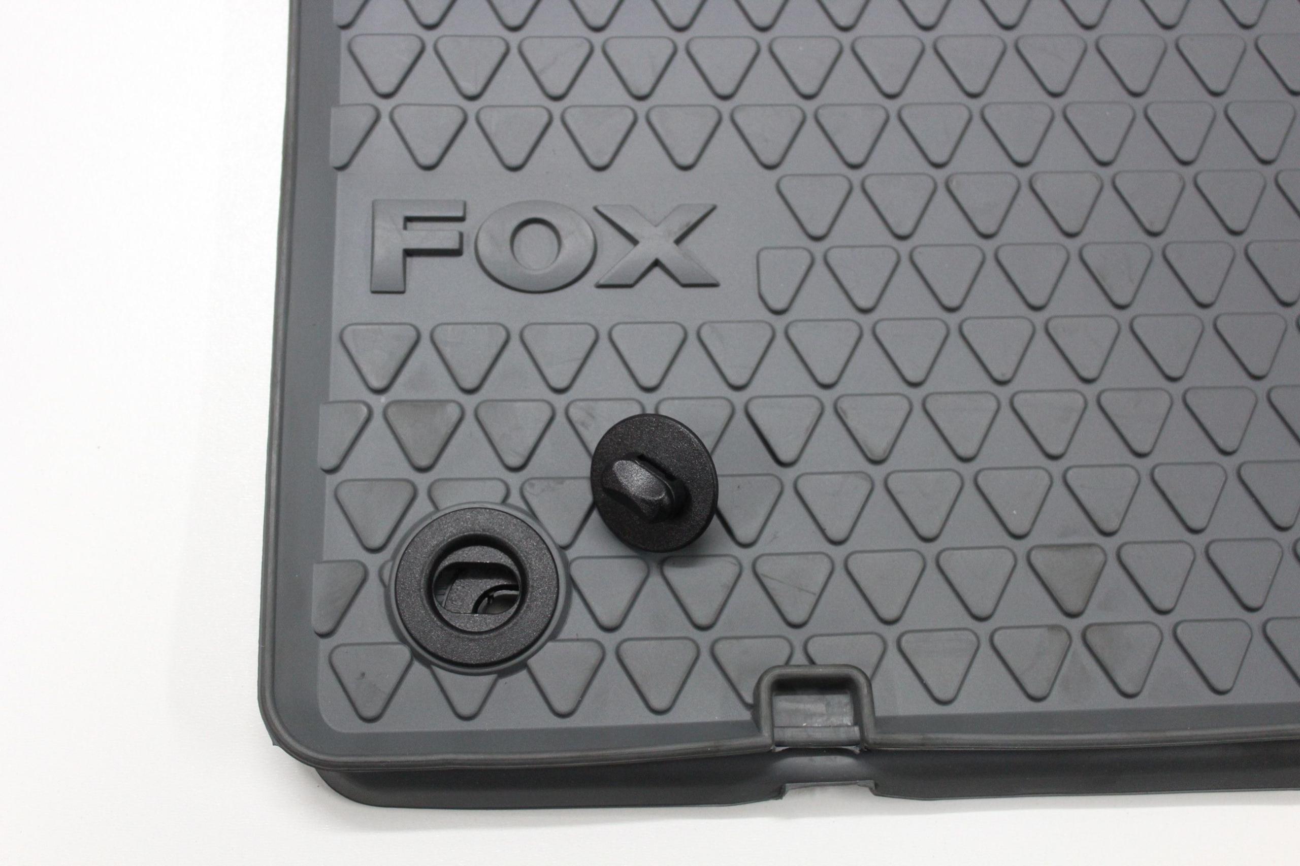 Dywaniki gumowe oryginalne SZARE + klipy VW FOX