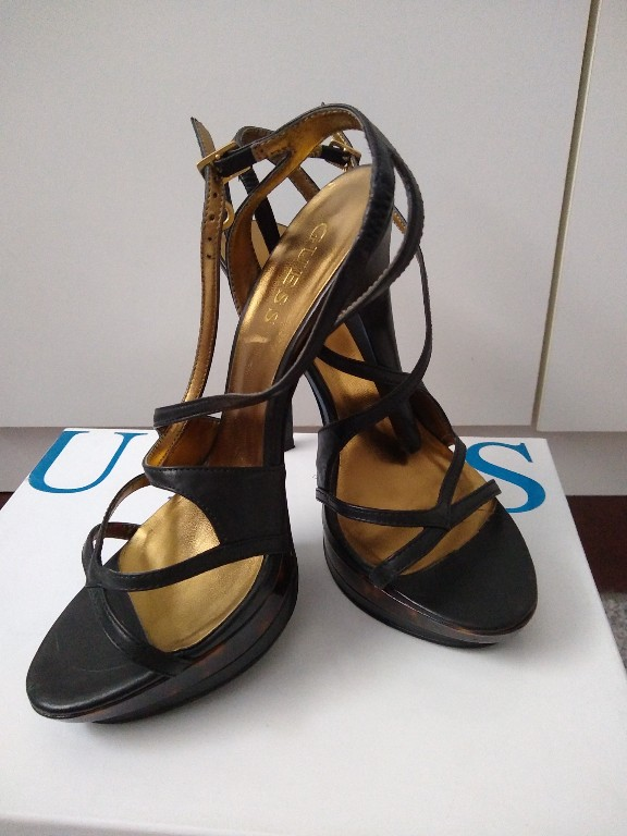 Sandały Guess ( oryginalne)