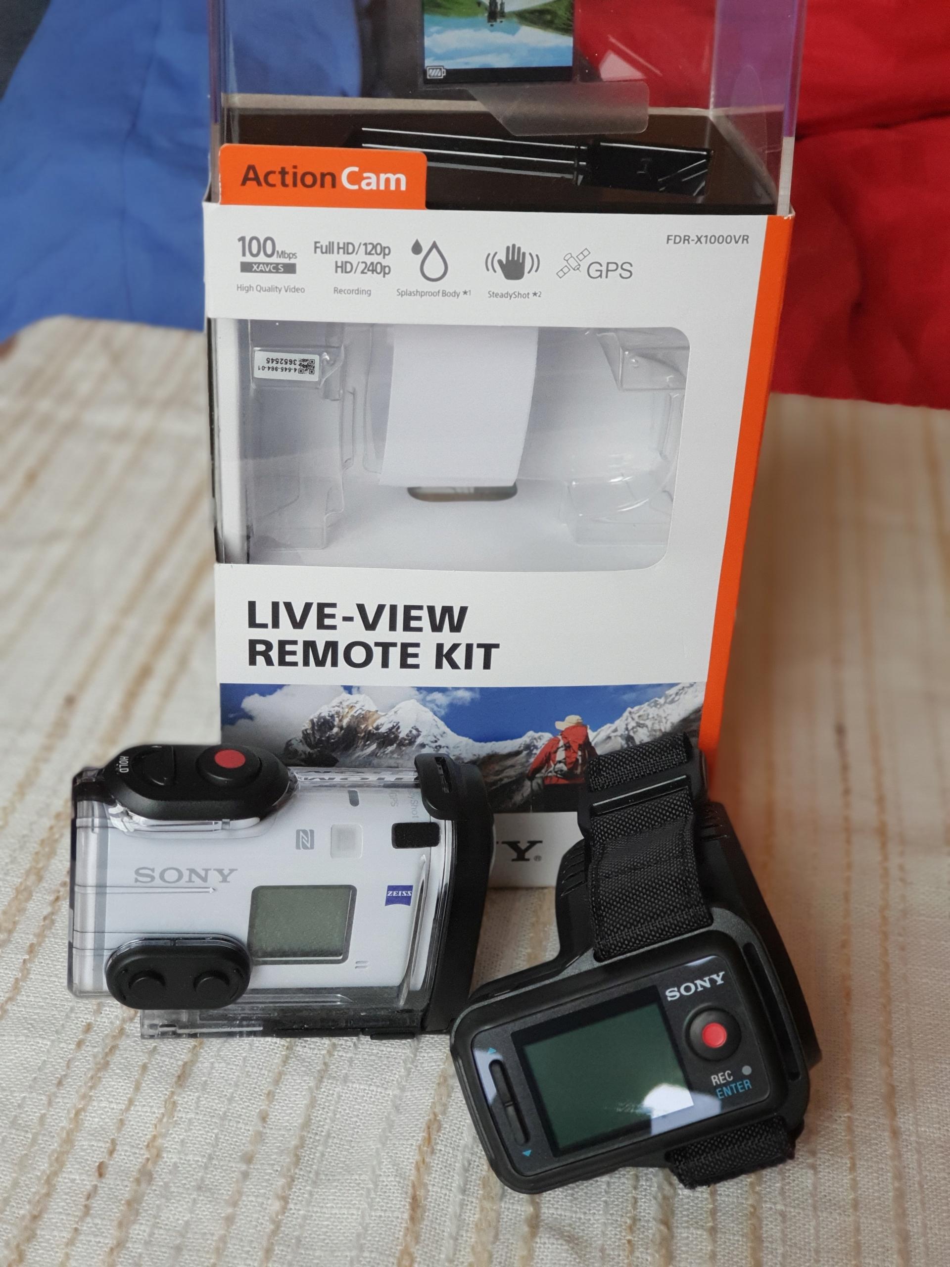 Kamera Sony FDR-X1000VR + Samsung EVO Plus 128GB