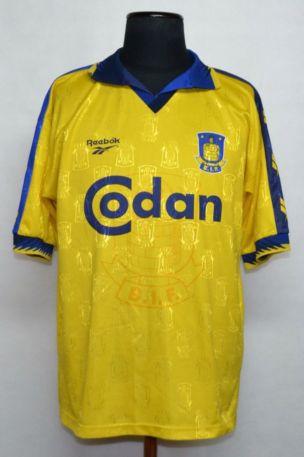 BRONDBY Brndby 1997 / 1998 Football Shirt.WIDZEW