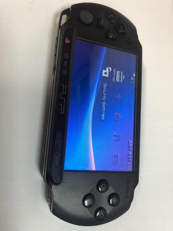 KONSOLA PSP E1004 3 GRY ZASILACZ PUDEŁKO