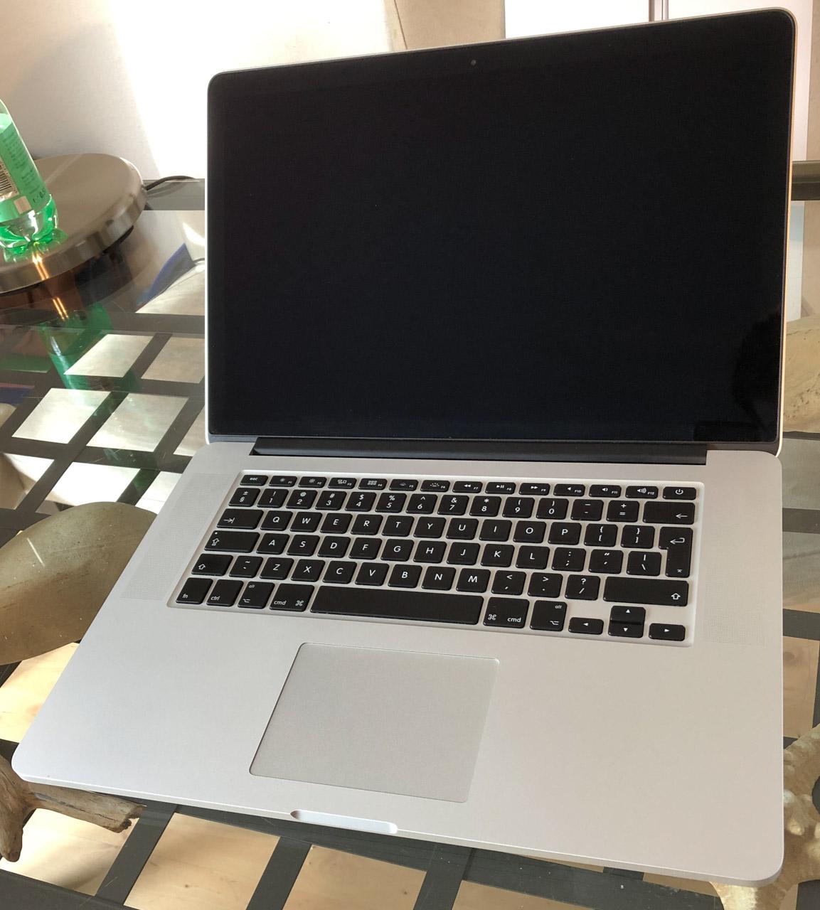 Apple MacBook Pro 15 Retina i7 2.0 8GB 256GB