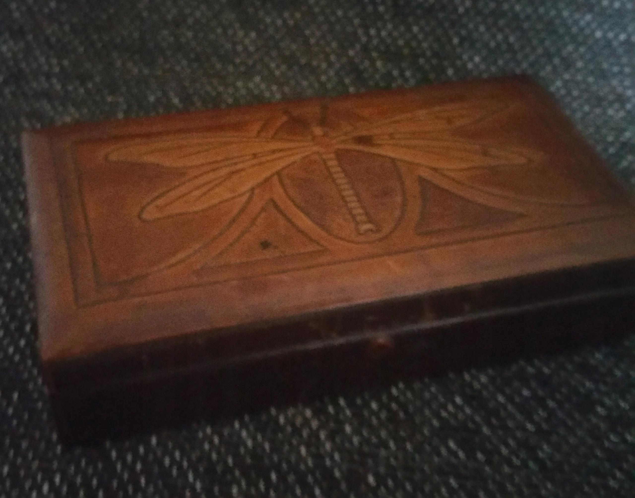 Szkatułka drewniana powlekana skóra