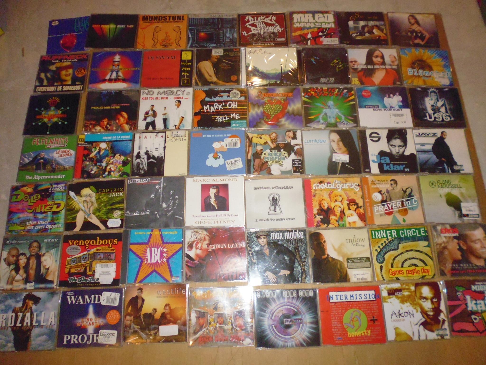 330 cd maxi singli za 100zł / 2