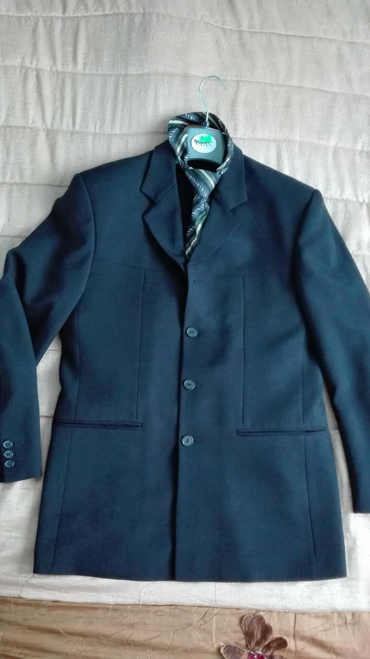 Garnitur męski 3 części gratis koszula i krawat
