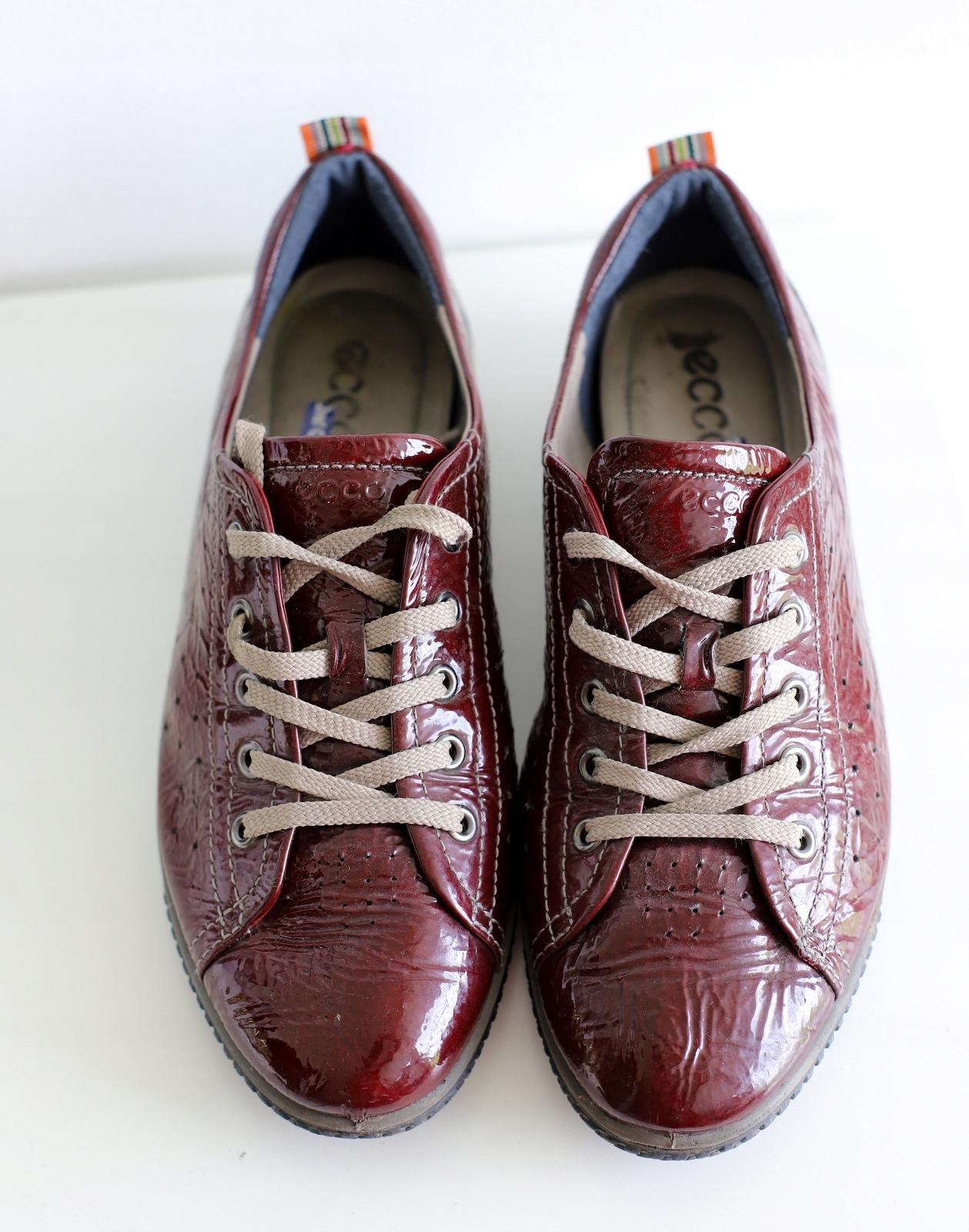 ecco buty lakierki bordowe 41
