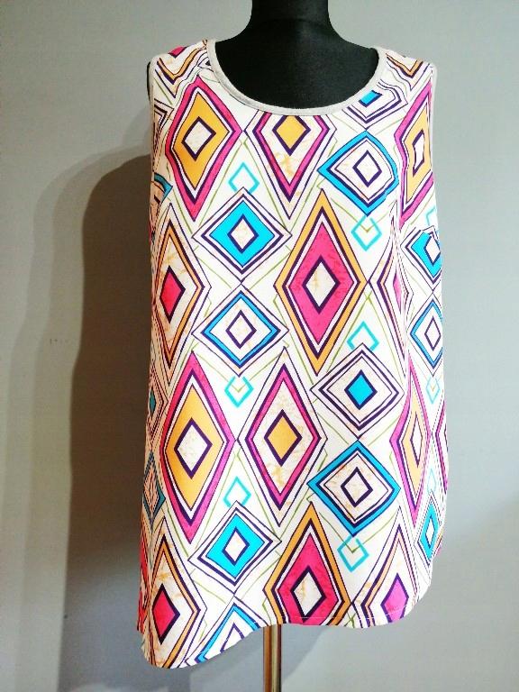 Śliczna kolorowa bluzka wzór geometryczny _44