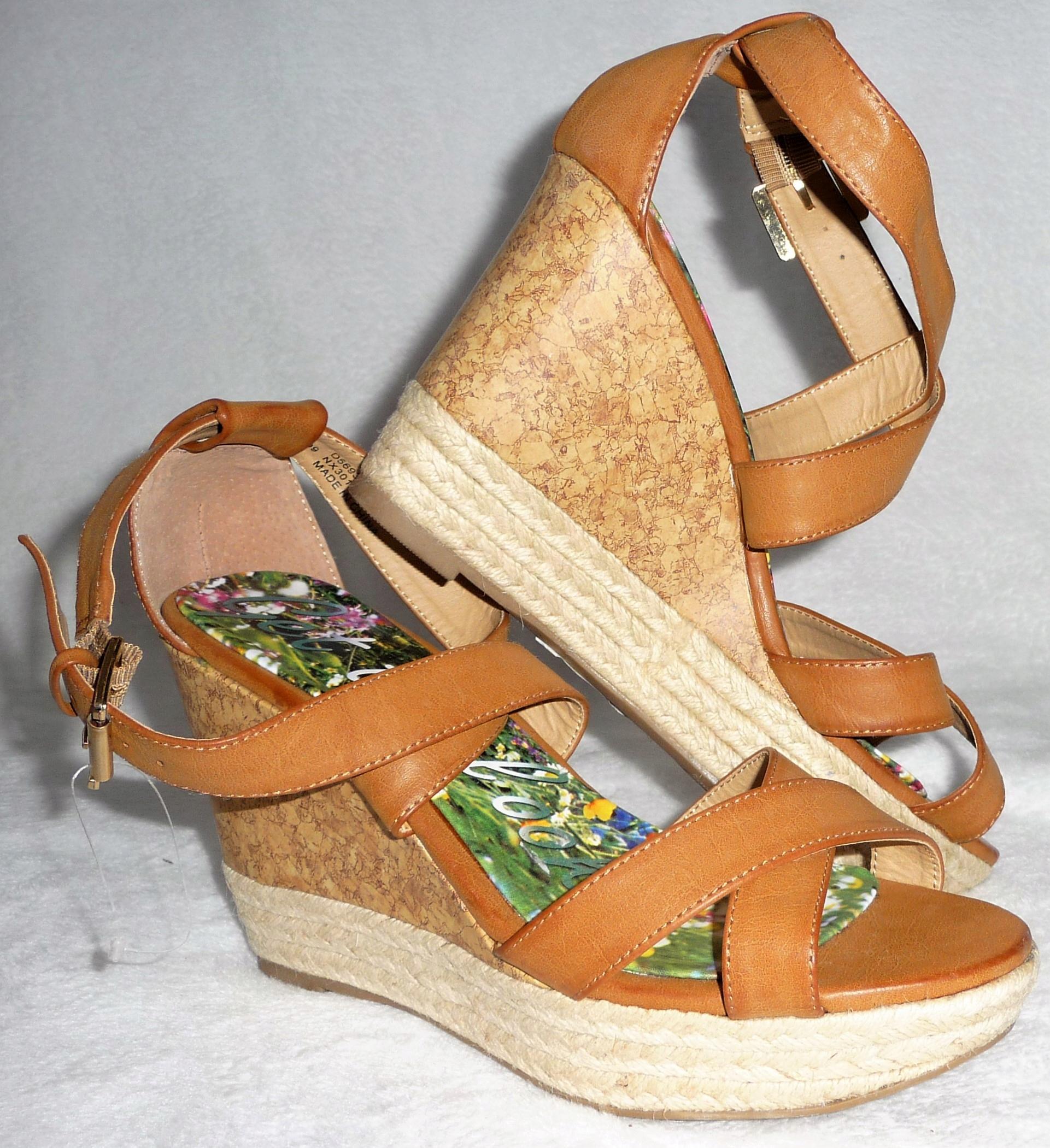 Next nowe sandały na koturnie skóra r. 40 UK6,5