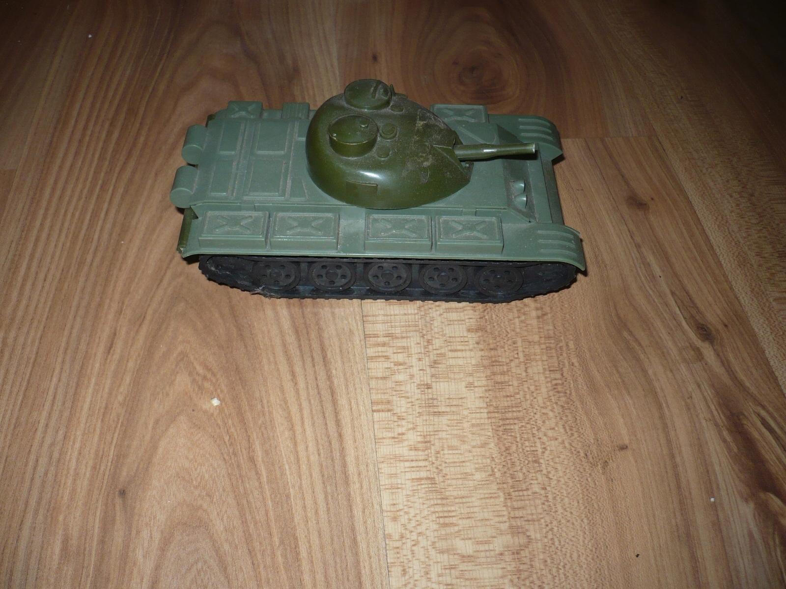 zabawka prl czołg